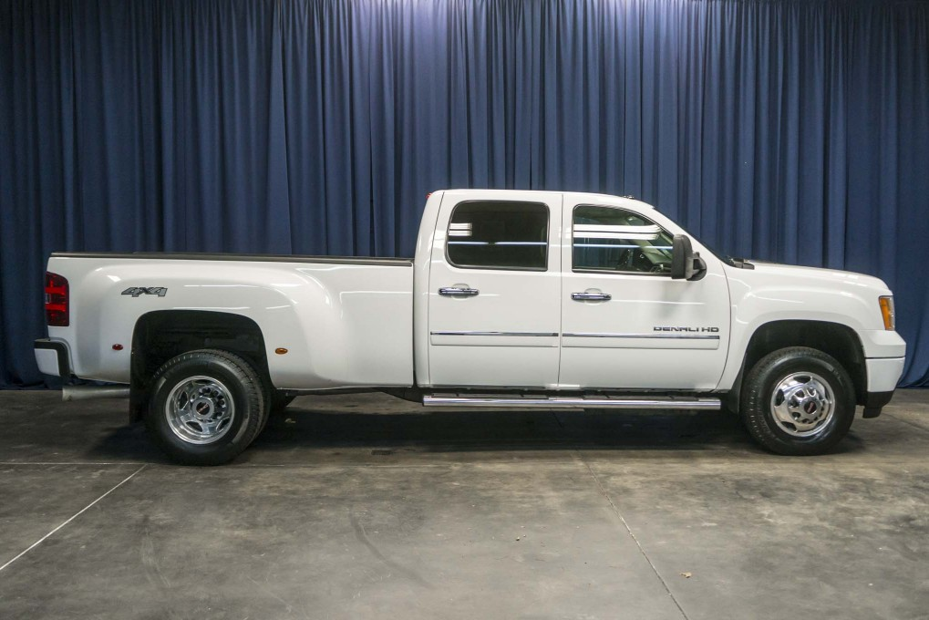 2014 GMC Sierra 3500HD Dually Denali 4x4