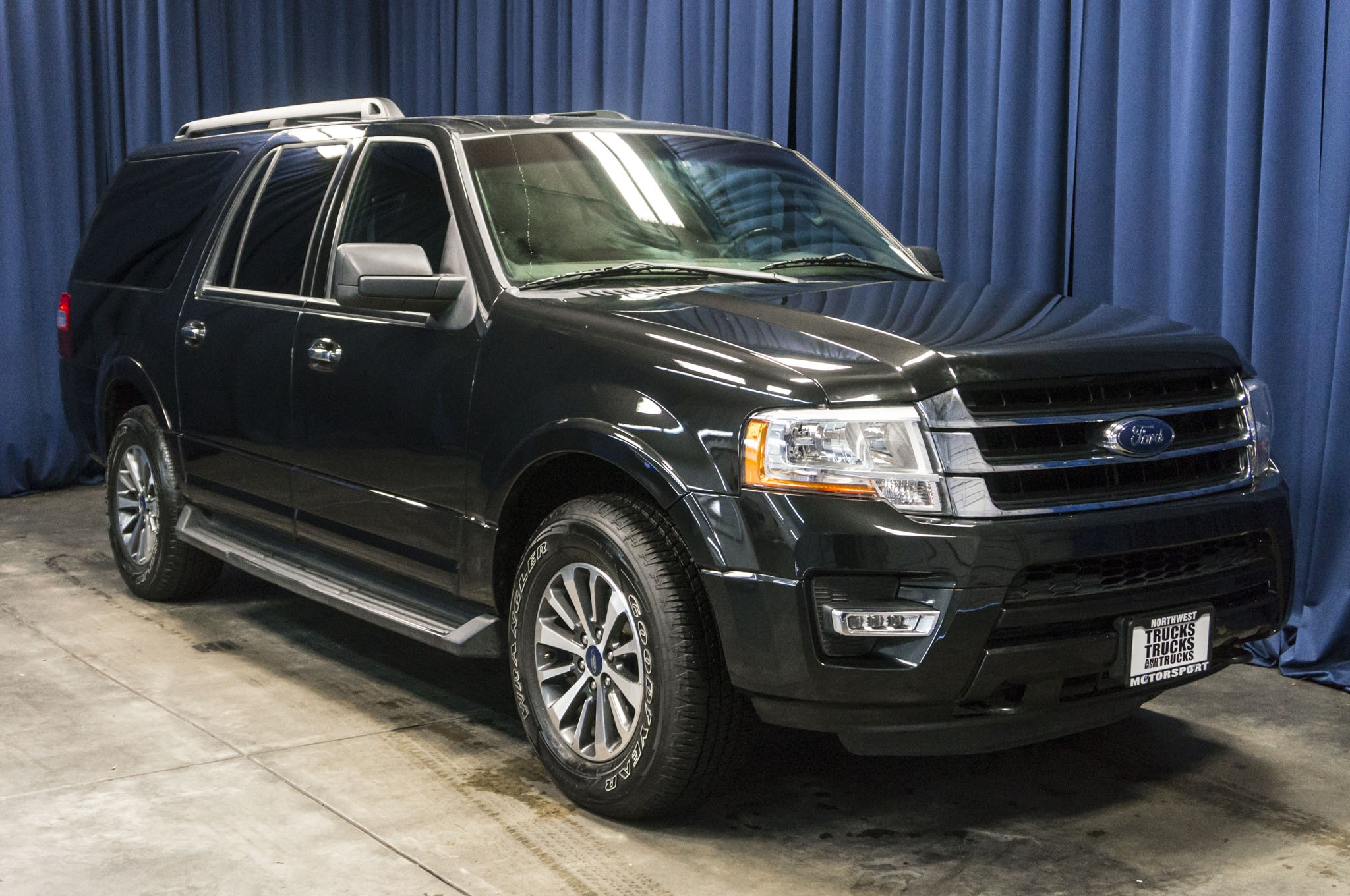 used 2015 ford expedition xlt 4x4 suv for sale 36752. Black Bedroom Furniture Sets. Home Design Ideas