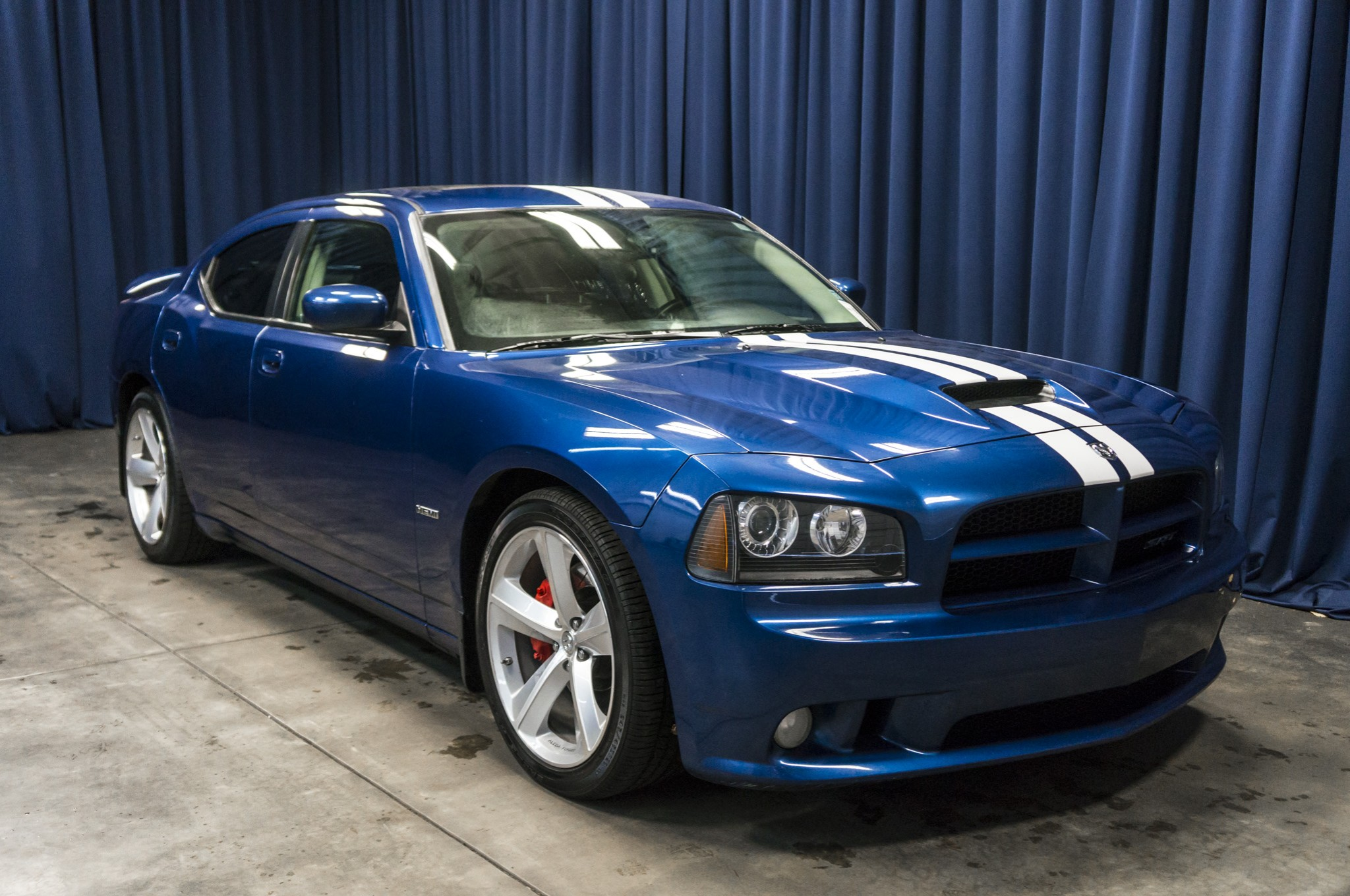 used 2010 dodge charger srt8 rwd sedan for sale 36835. Black Bedroom Furniture Sets. Home Design Ideas
