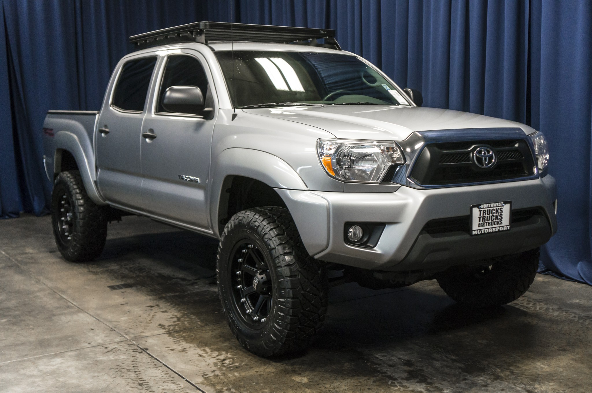 used lifted 2015 toyota tacoma trd 4x4 truck for sale 37057. Black Bedroom Furniture Sets. Home Design Ideas