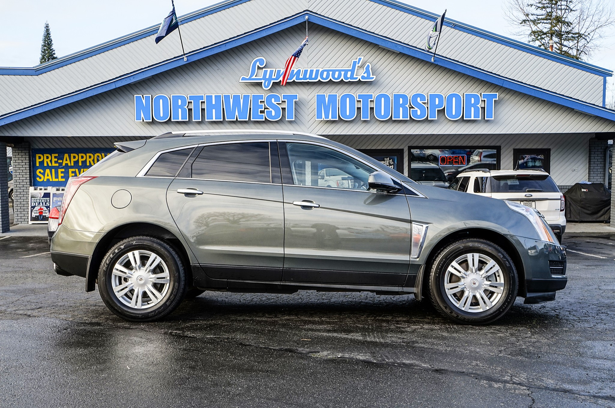 Used 2013 Cadillac SRX Luxury AWD SUV For Sale