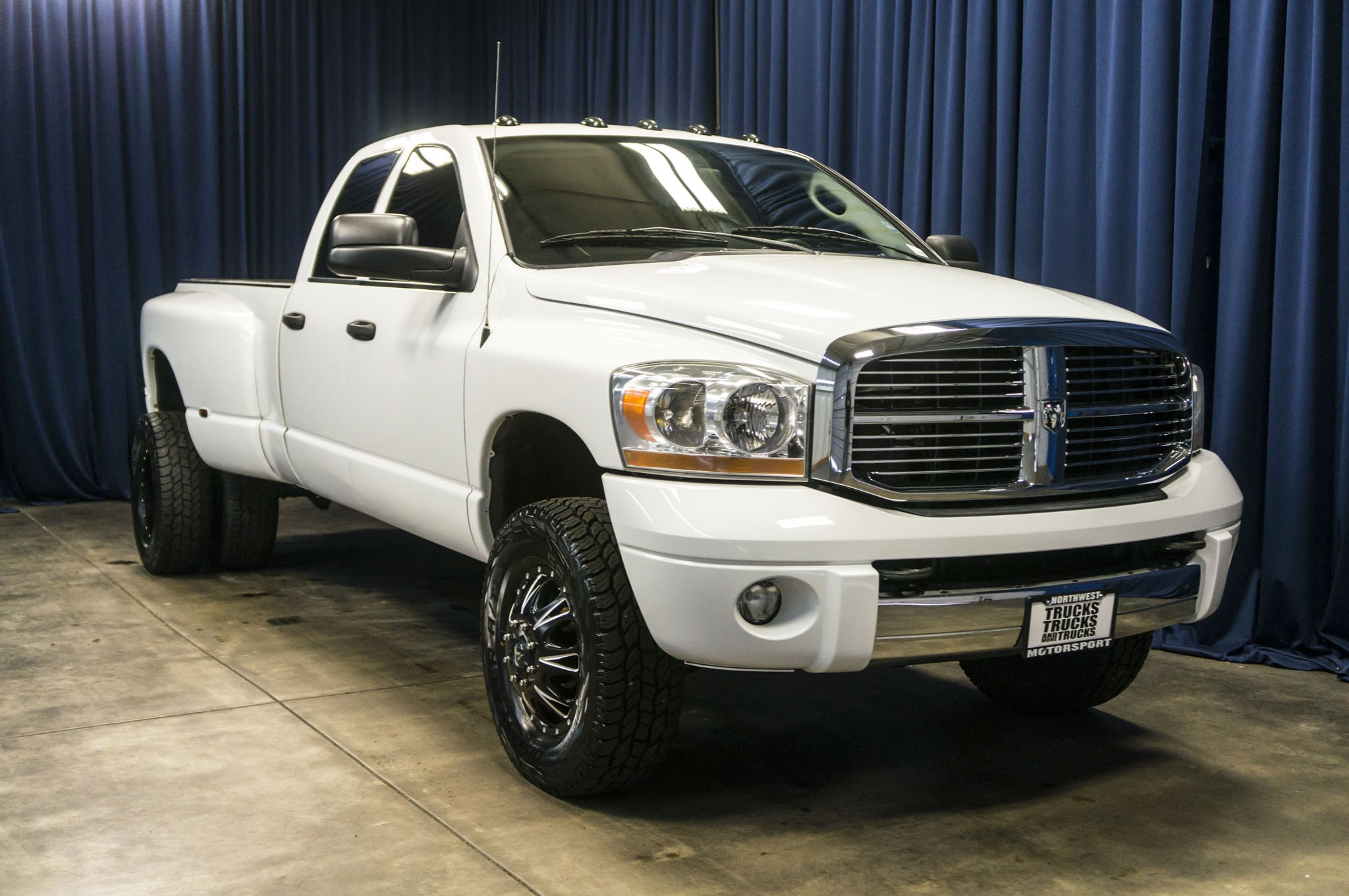 lifted  dodge ram  dually laramie  diesel truck  sale