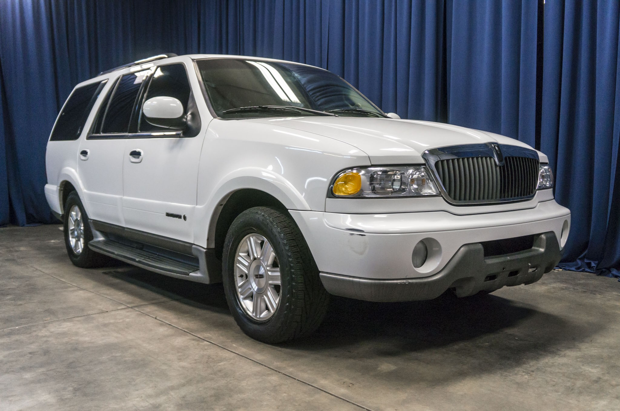 used 2002 lincoln navigator rwd suv for sale 37123a. Black Bedroom Furniture Sets. Home Design Ideas