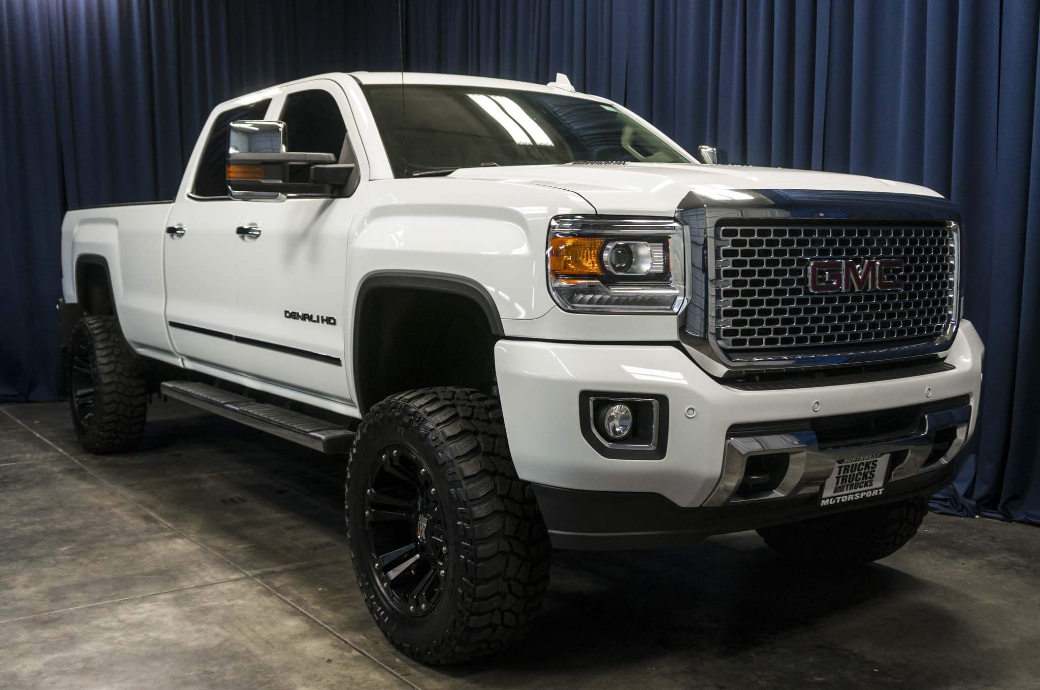 used lifted 2015 gmc sierra 3500hd denali 4x4 diesel truck for sale 37205. Black Bedroom Furniture Sets. Home Design Ideas