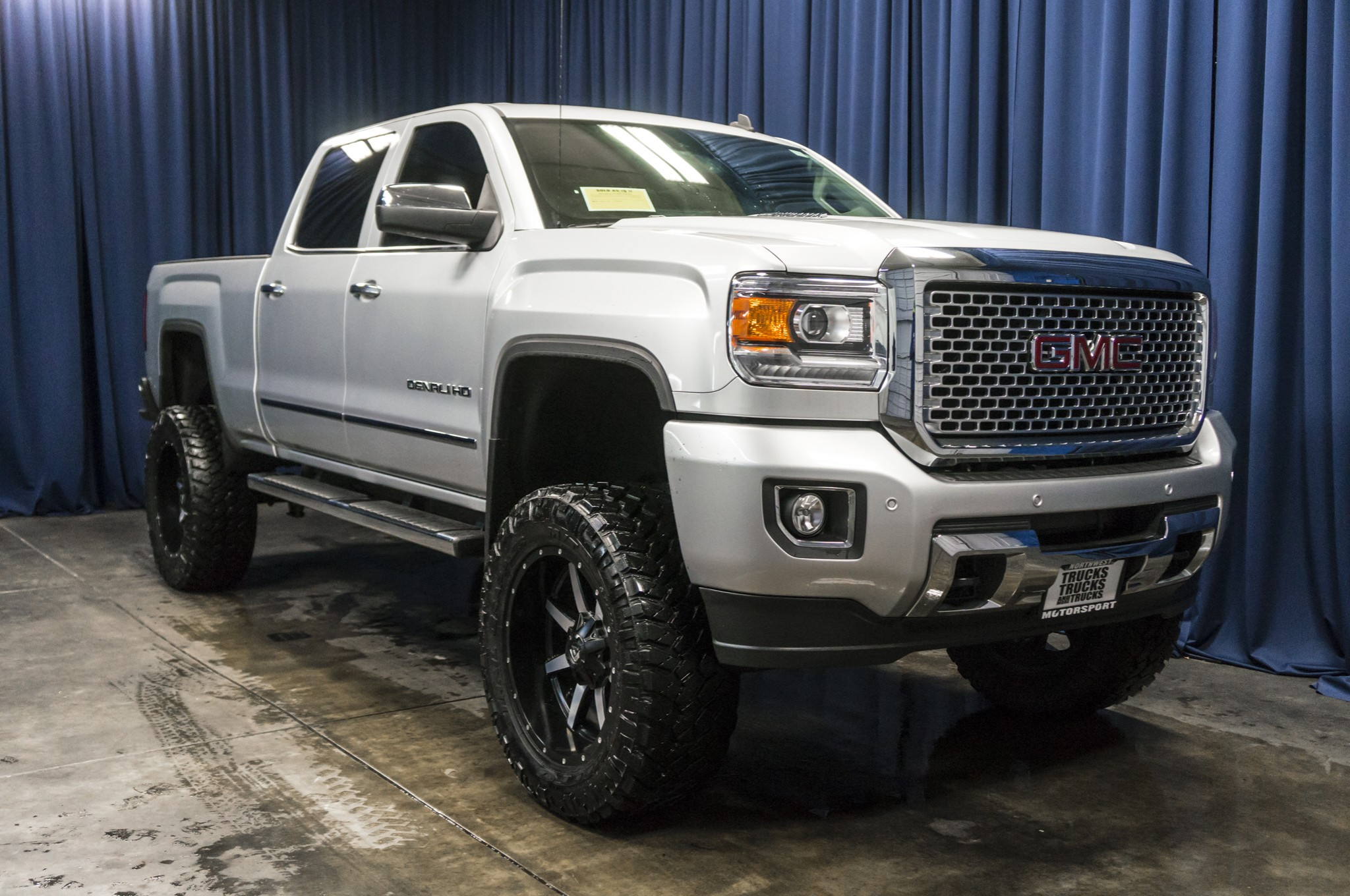 2015 gmc 2500 lifted denali for sale autos post. Black Bedroom Furniture Sets. Home Design Ideas