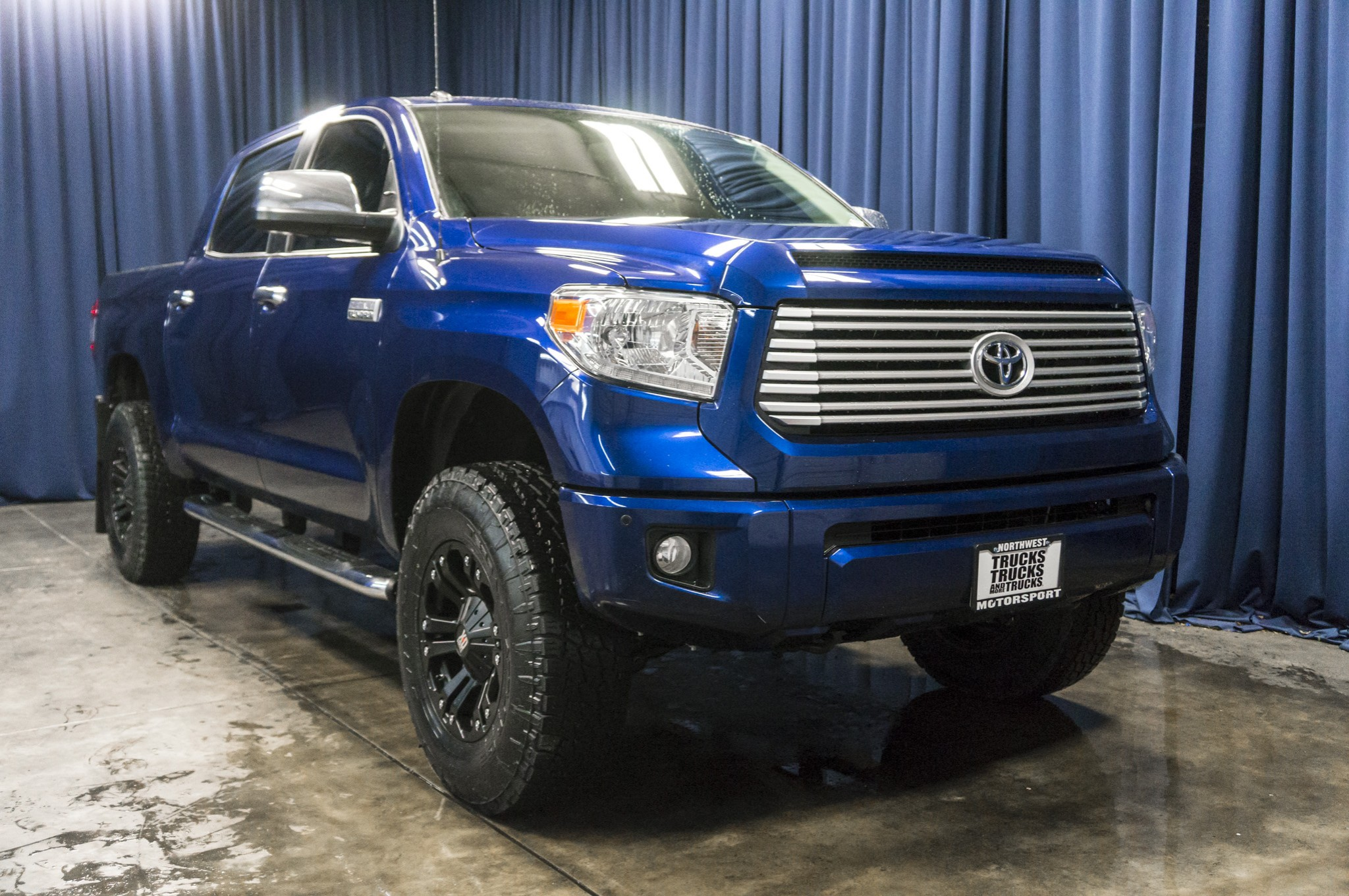 used lifted 2014 toyota tundra platinum 4x4 truck for sale 37551. Black Bedroom Furniture Sets. Home Design Ideas