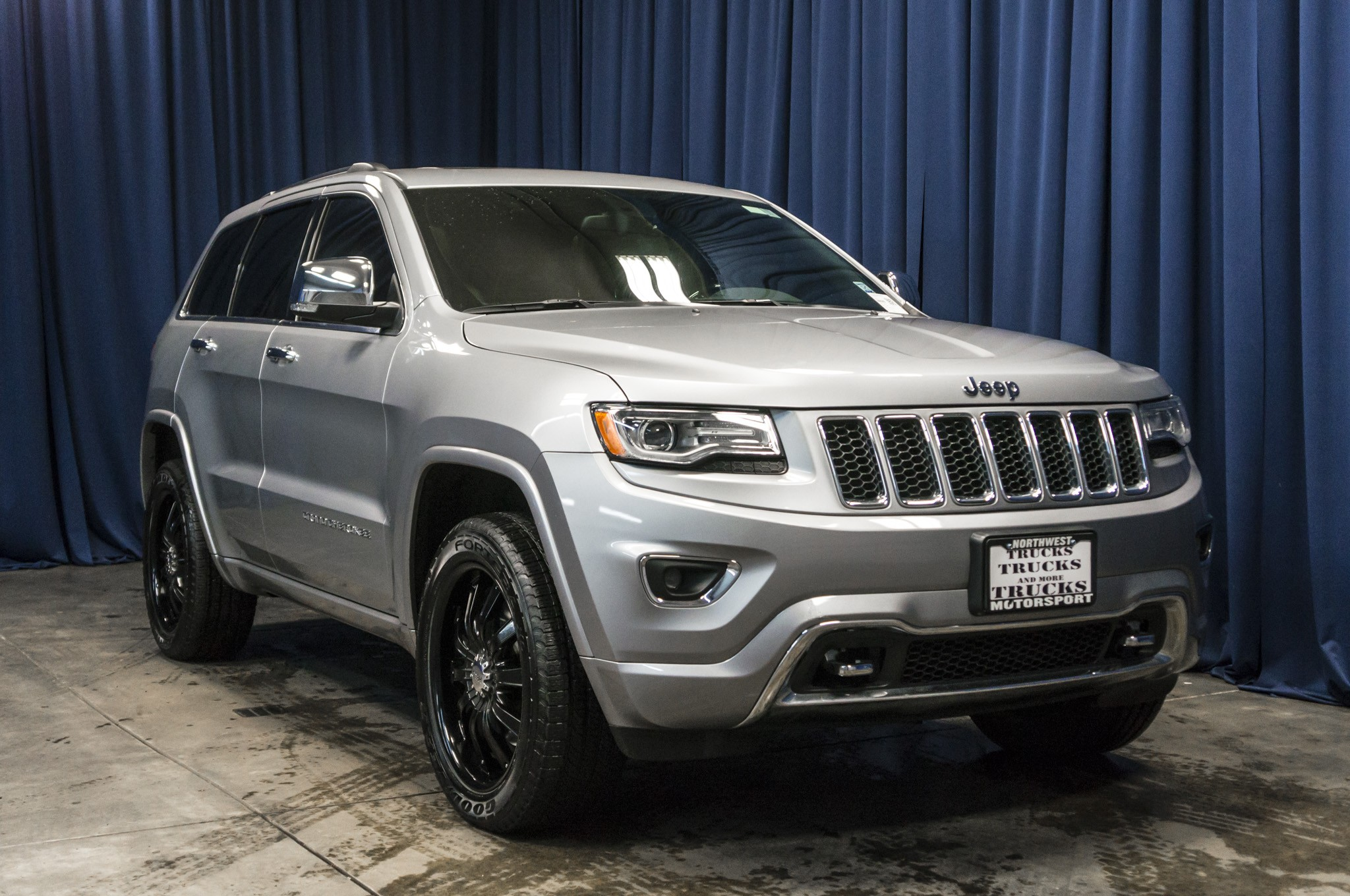used 2014 jeep grand cherokee overland 4x4 suv for sale 38026. Black Bedroom Furniture Sets. Home Design Ideas