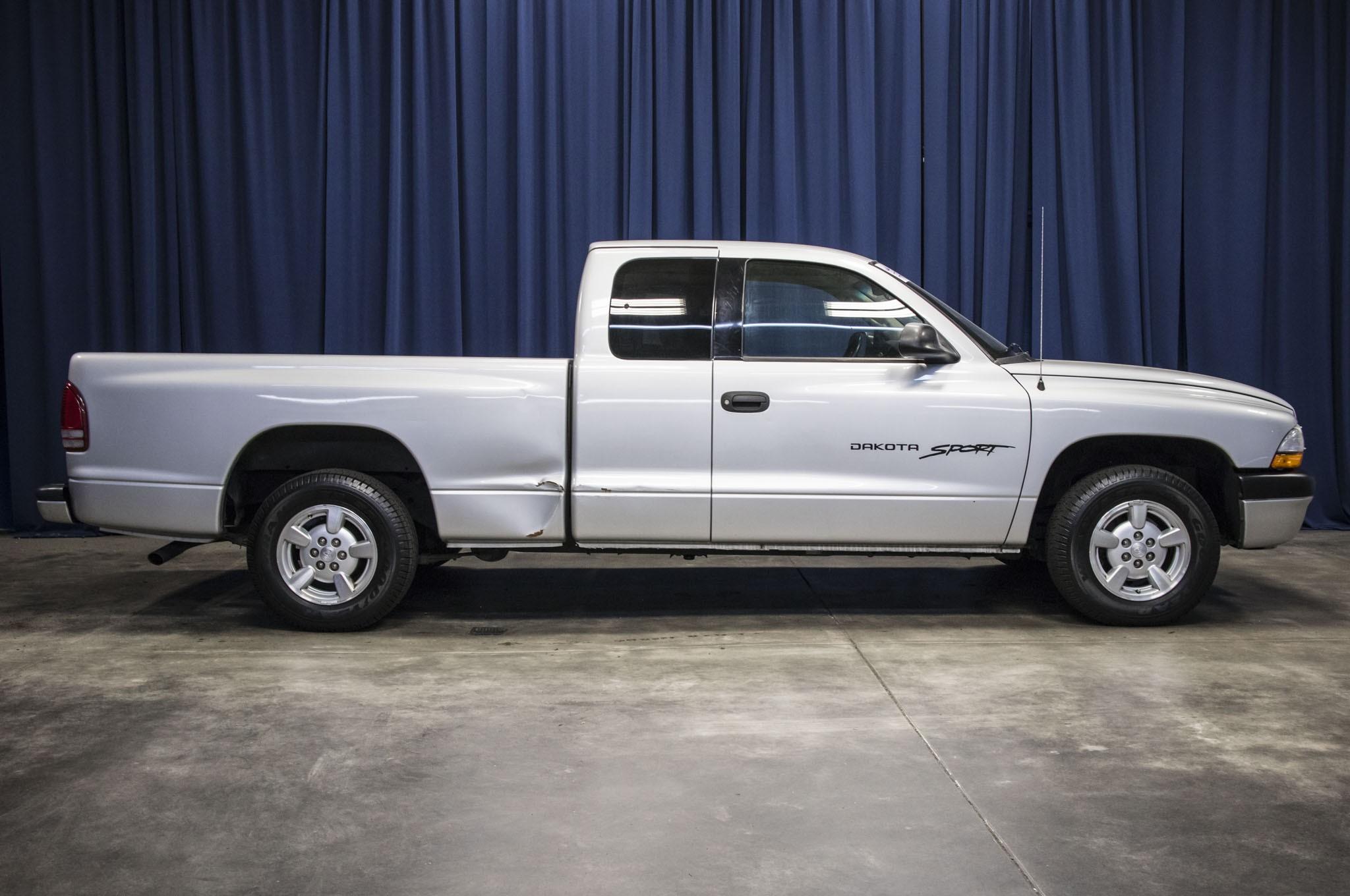 used 2001 dodge dakota sport rwd truck for sale 38220b. Black Bedroom Furniture Sets. Home Design Ideas
