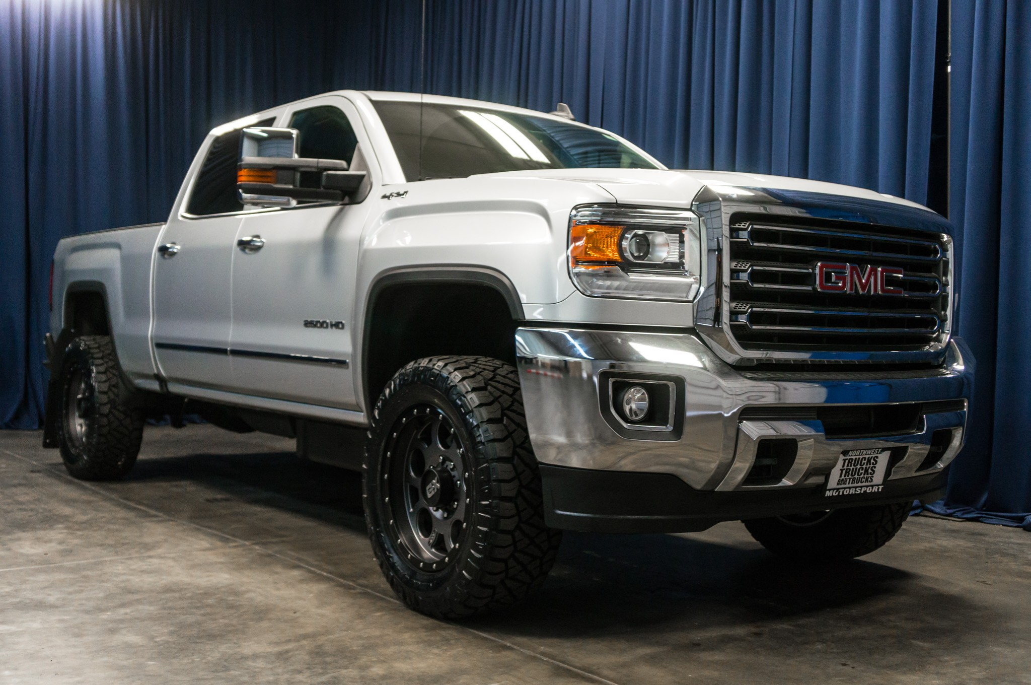 used lifted 2016 gmc sierra 2500 slt 4x4 diesel truck for sale 38275. Black Bedroom Furniture Sets. Home Design Ideas