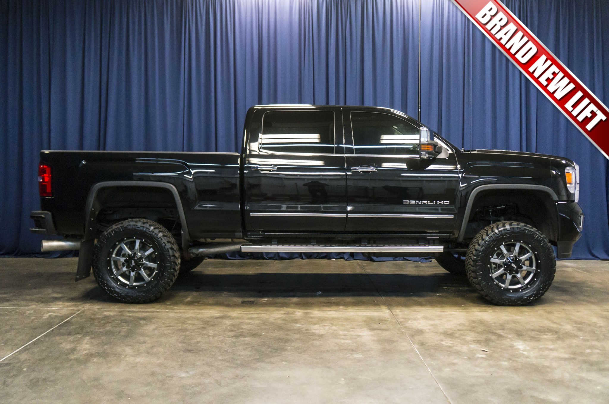 used lifted 2016 gmc sierra 3500 hd denali 4x4 diesel truck for sale 38438. Black Bedroom Furniture Sets. Home Design Ideas