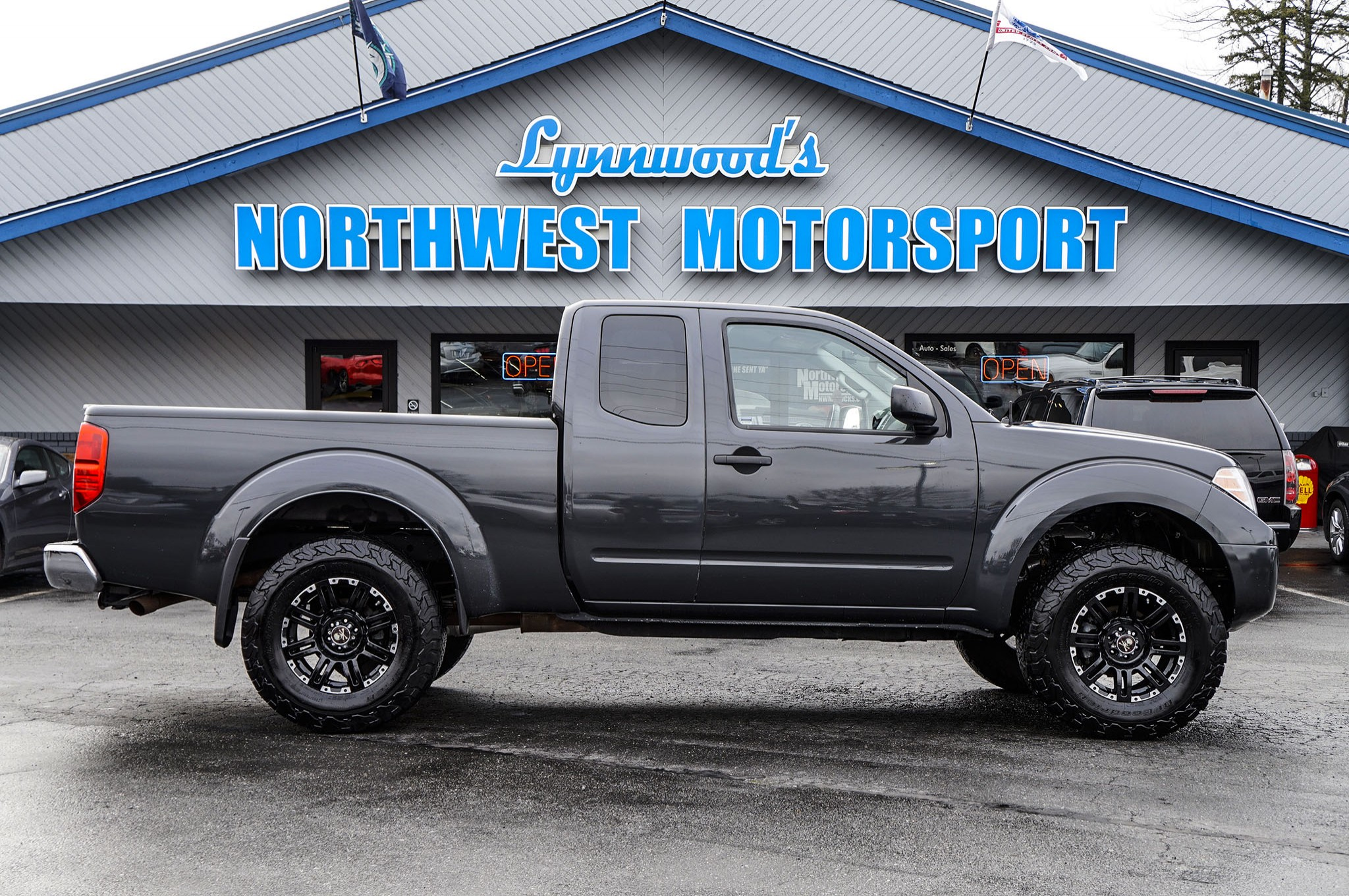 used lifted 2015 nissan frontier sv 4x4 truck for sale 39809. Black Bedroom Furniture Sets. Home Design Ideas