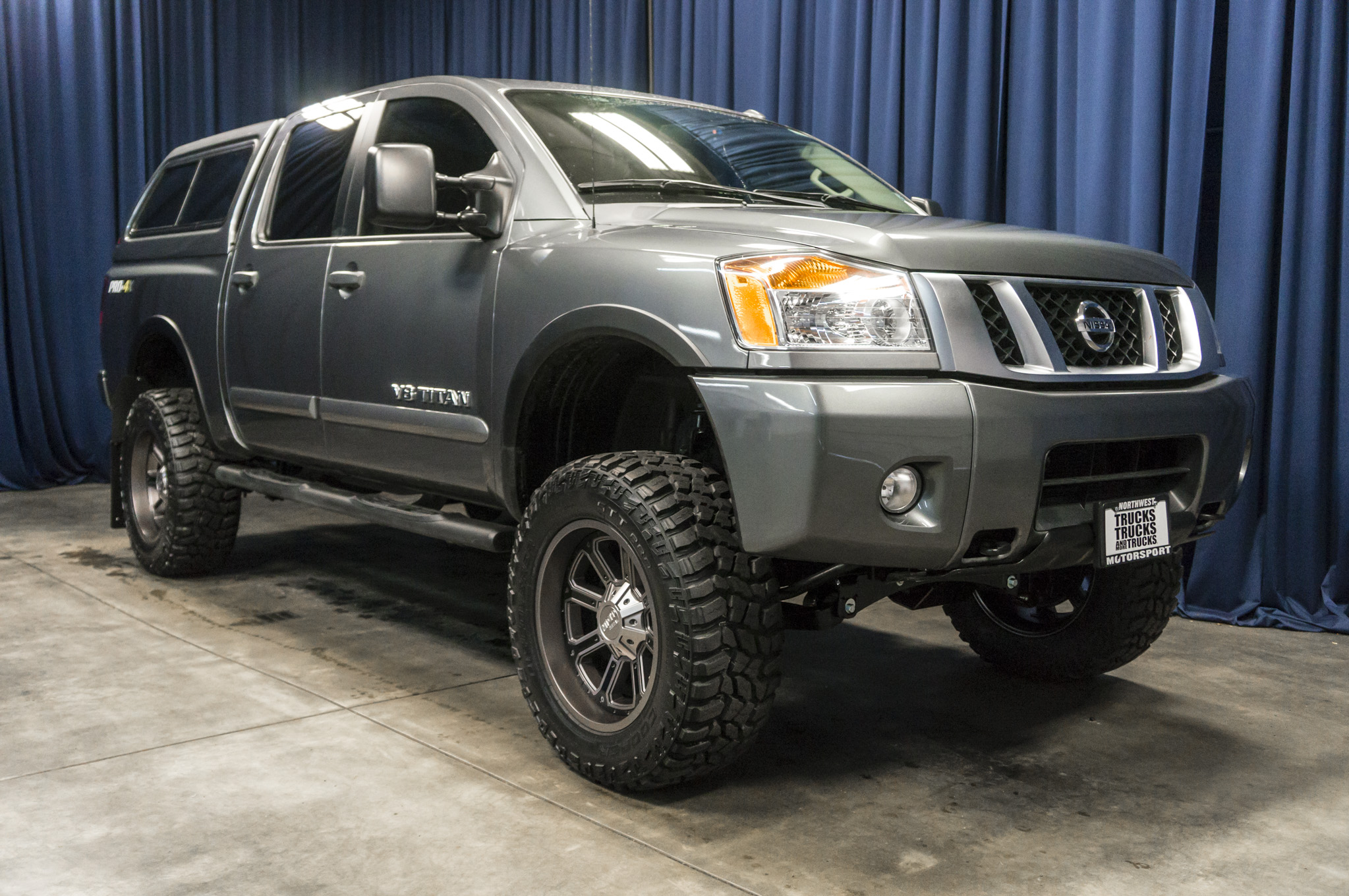 used lifted 2014 nissan titan pro 4x 4x4 truck for sale. Black Bedroom Furniture Sets. Home Design Ideas