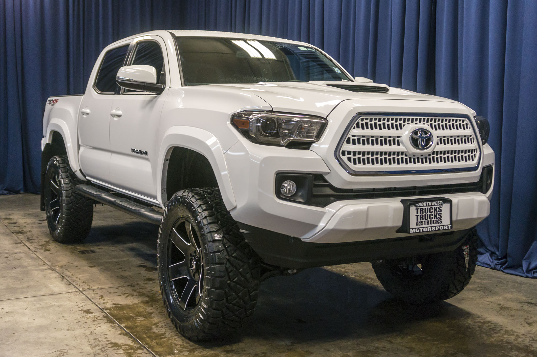 Jacked Up Toyota Tacoma New Car Release And Specs 2018 2019