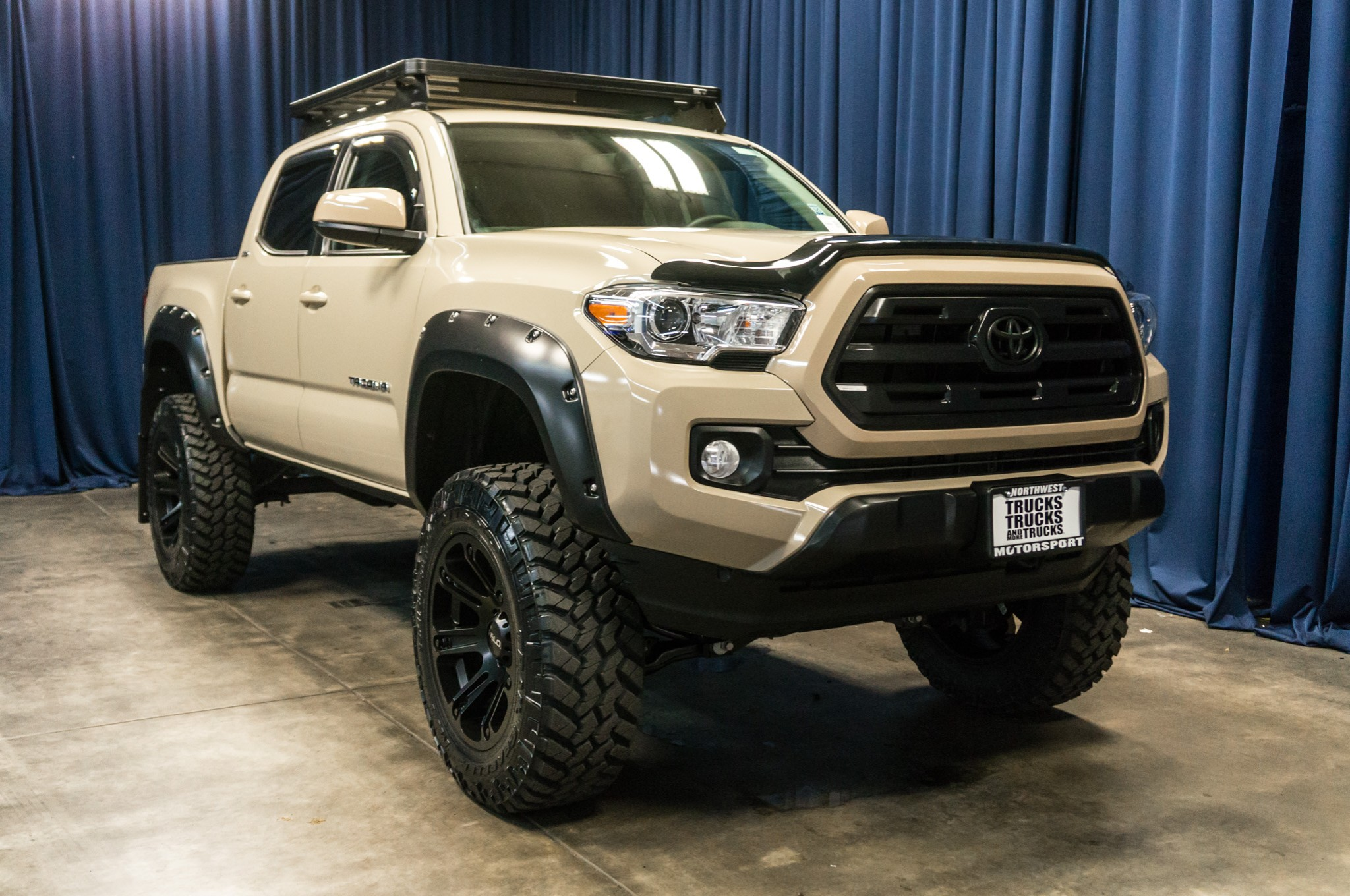 used lifted 2016 toyota tacoma sr5 4x4 truck for sale 40868. Black Bedroom Furniture Sets. Home Design Ideas