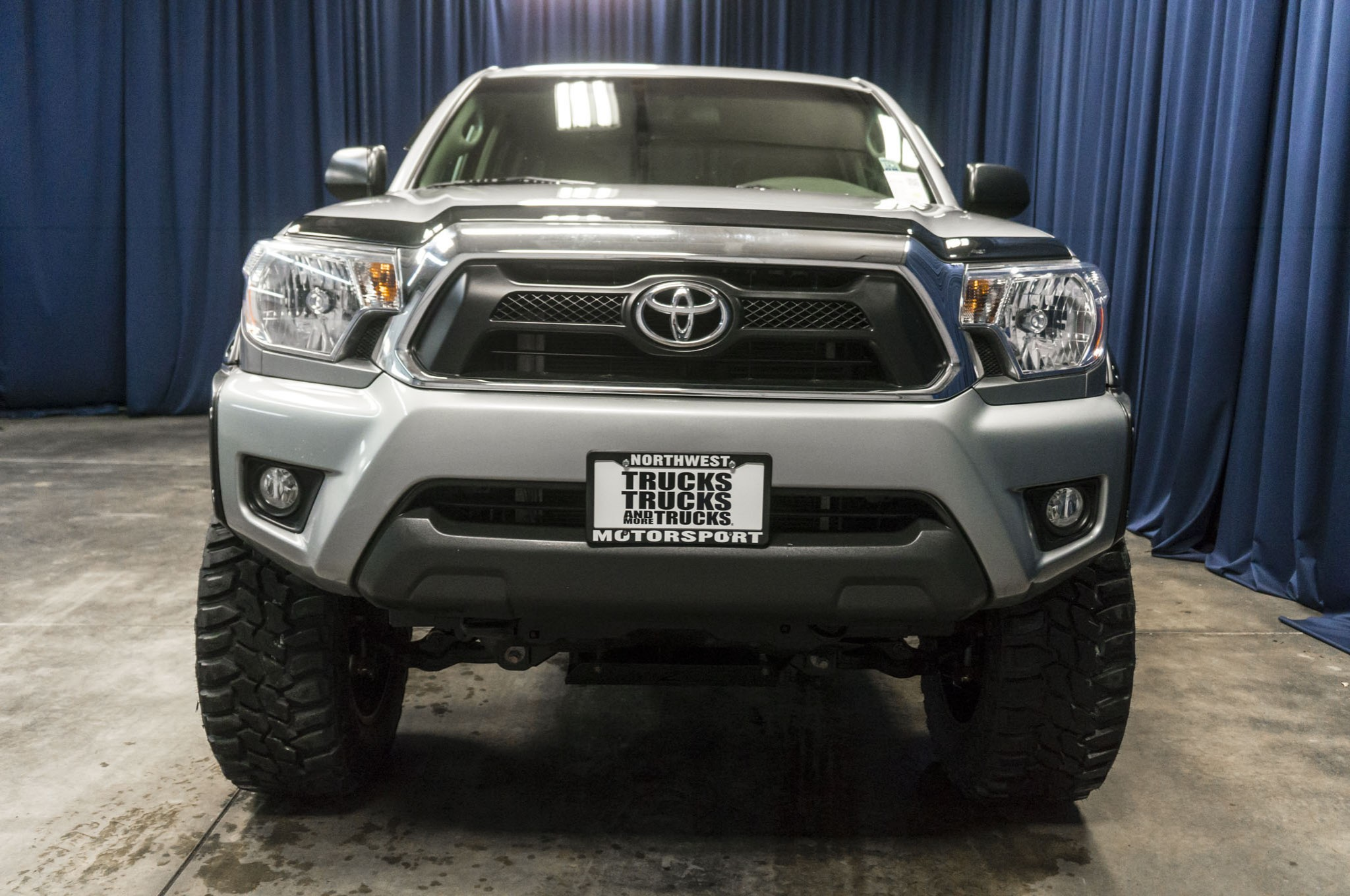 used lifted 2015 toyota tacoma trd off road 4x4 truck for sale 41115. Black Bedroom Furniture Sets. Home Design Ideas