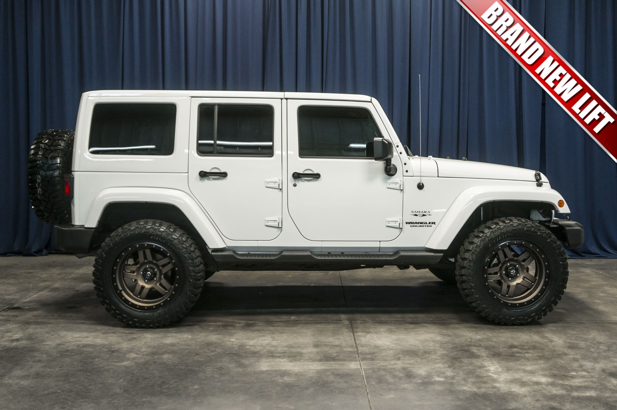Used Lifted 2016 Jeep Wrangler Unlimited Sahara 4x4 SUV For Sale