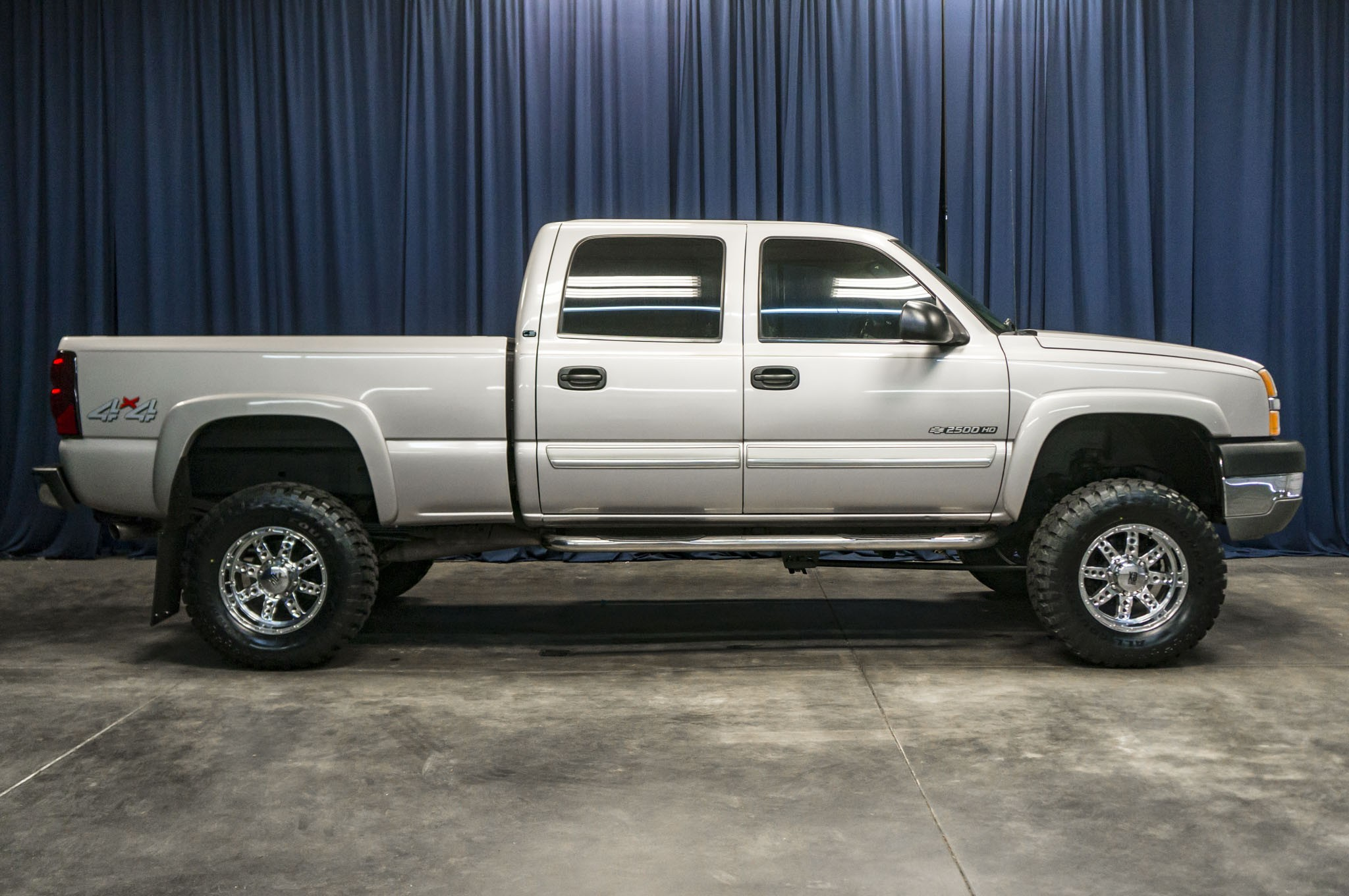 used lifted 2004 chevrolet silverado 2500hd ls 4x4 truck. Black Bedroom Furniture Sets. Home Design Ideas