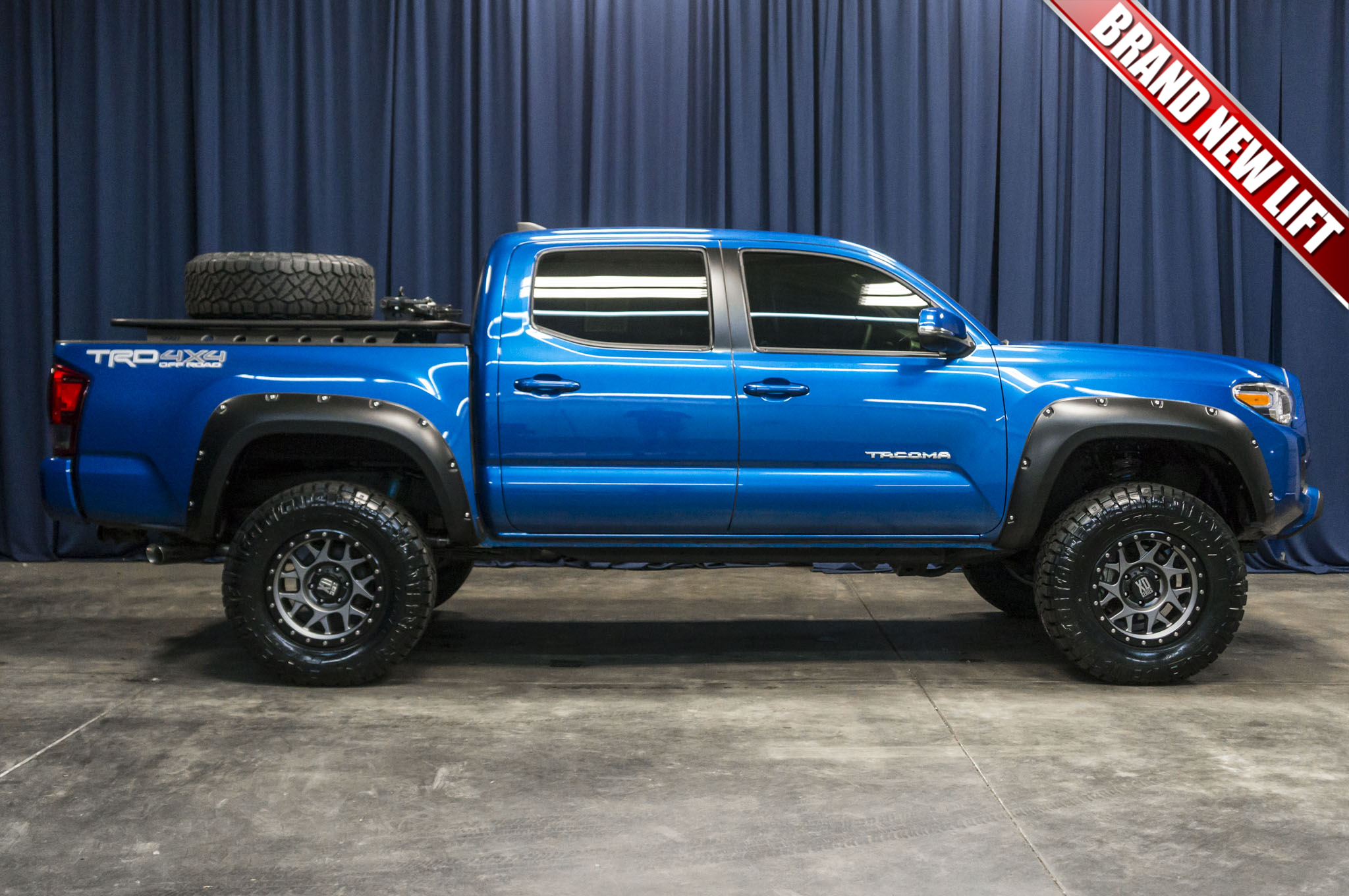 2017 Toyota Tacoma Lifted >> Used Lifted 2017 Toyota Tacoma Trd Off Road 4x4 Truck For