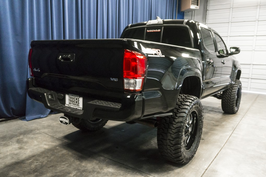 used lifted 2017 toyota tacoma mrd offroad 4x4 truck for sale 41660. Black Bedroom Furniture Sets. Home Design Ideas