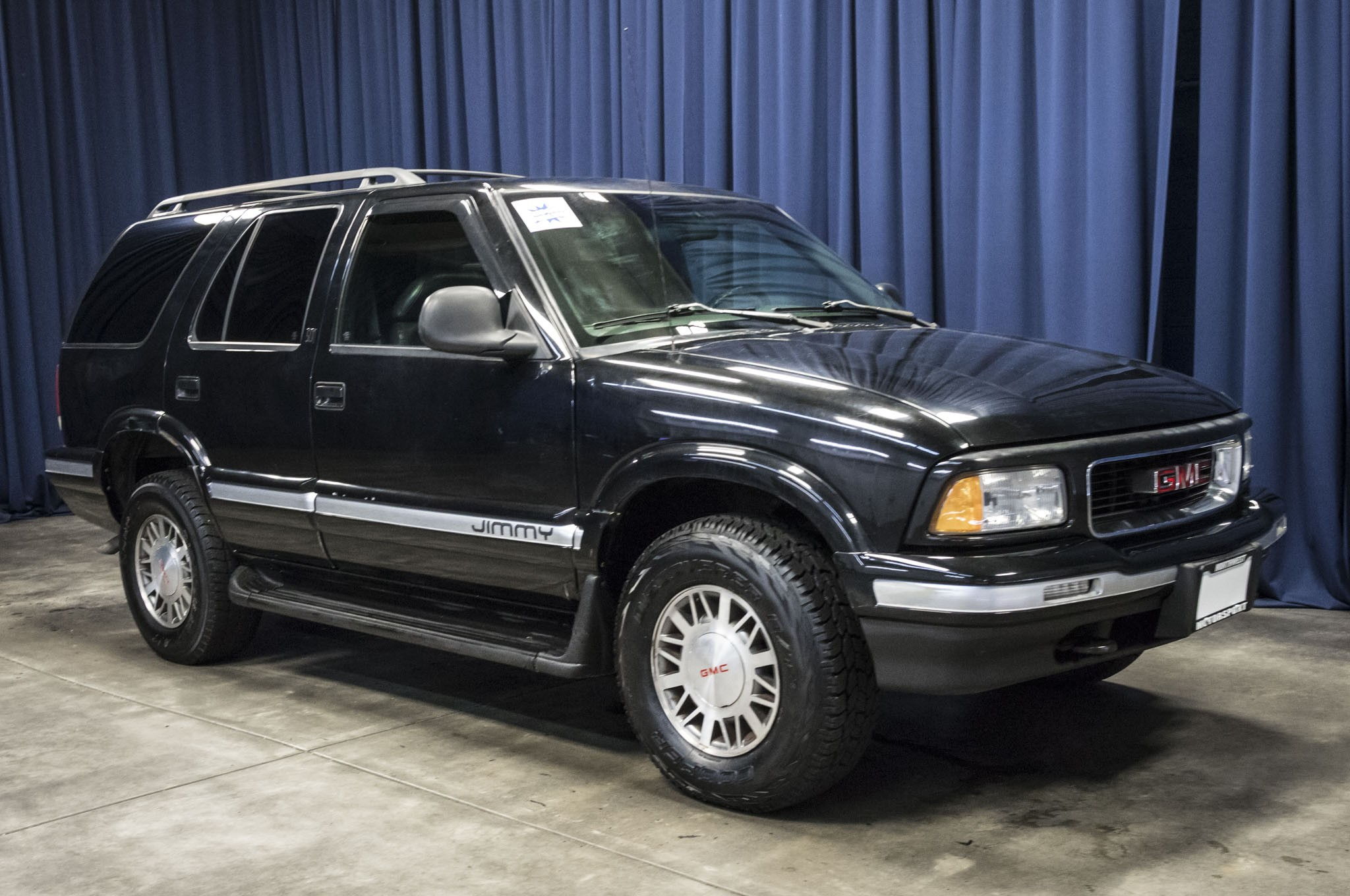 envoy sale item auction size gmc suv new sold window slt full october in for jimmy