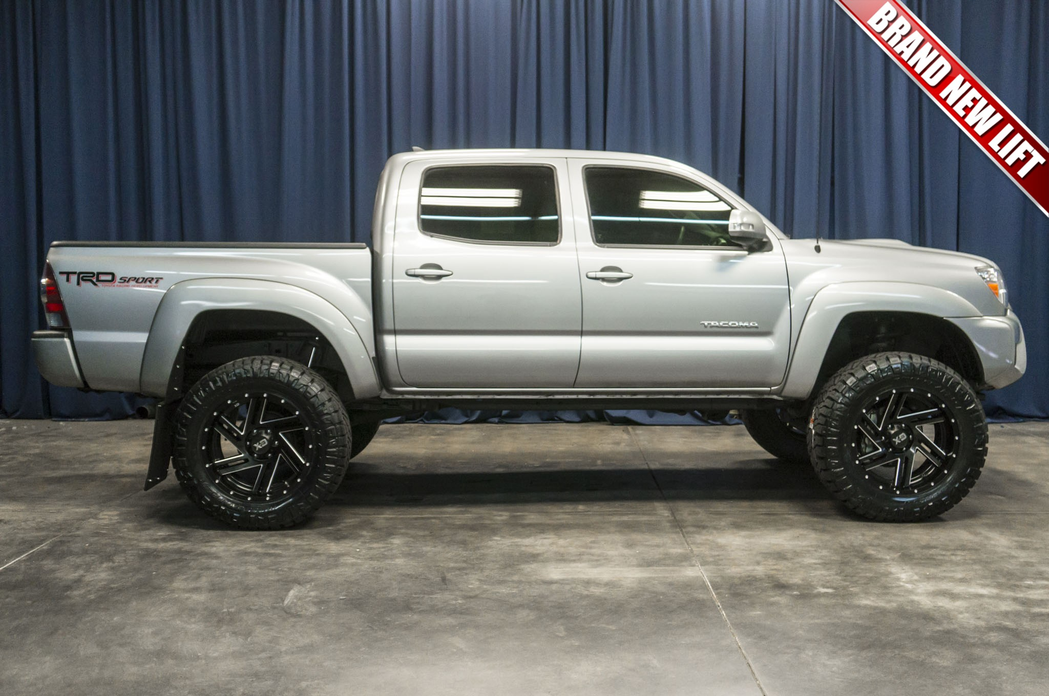 used lifted 2015 toyota tacoma trd sport 4x4 truck for sale 41855. Black Bedroom Furniture Sets. Home Design Ideas