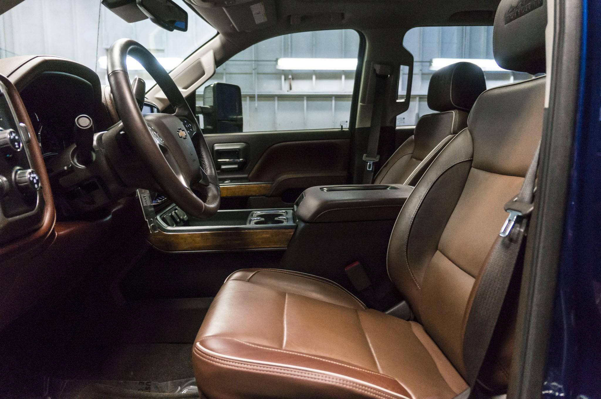 Chevrolet Silverado 2500 High Country 4x4