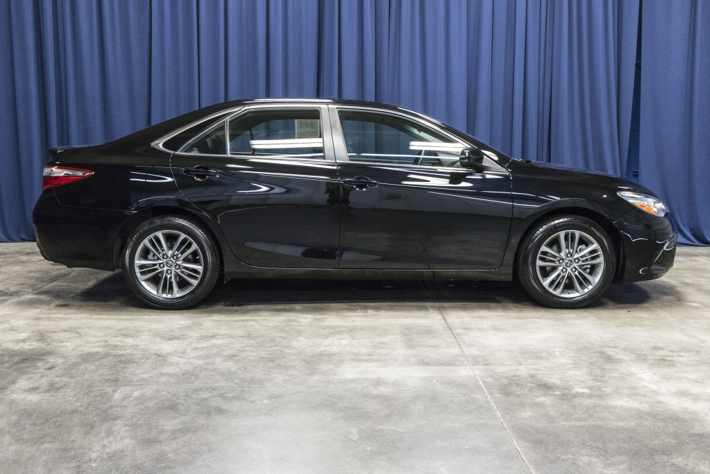 used 2015 toyota camry se fwd sedan for sale northwest motorsport. Black Bedroom Furniture Sets. Home Design Ideas