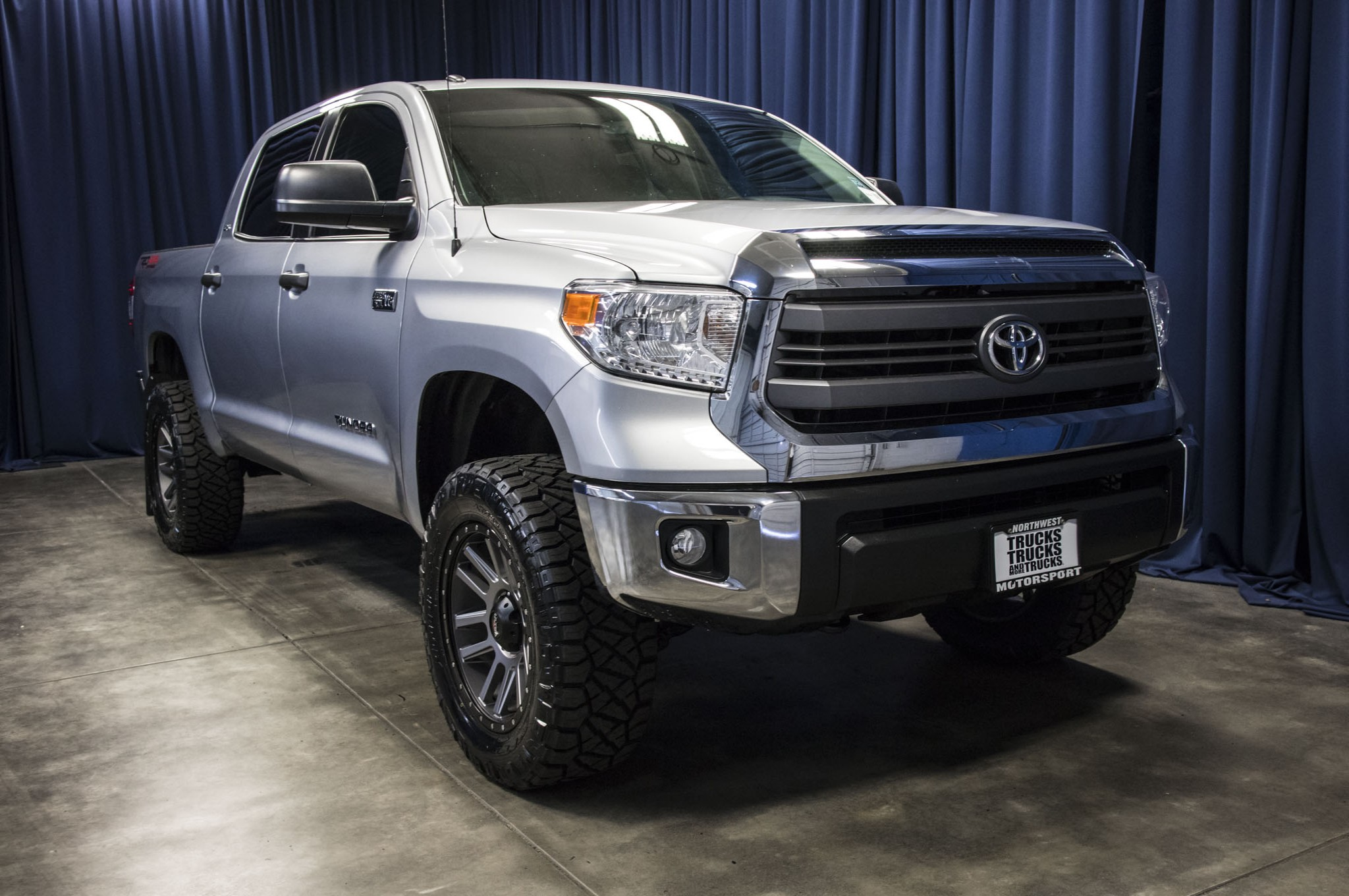 Used Lifted 2015 Toyota Tundra SR5 4x4 Truck For Sale 42654