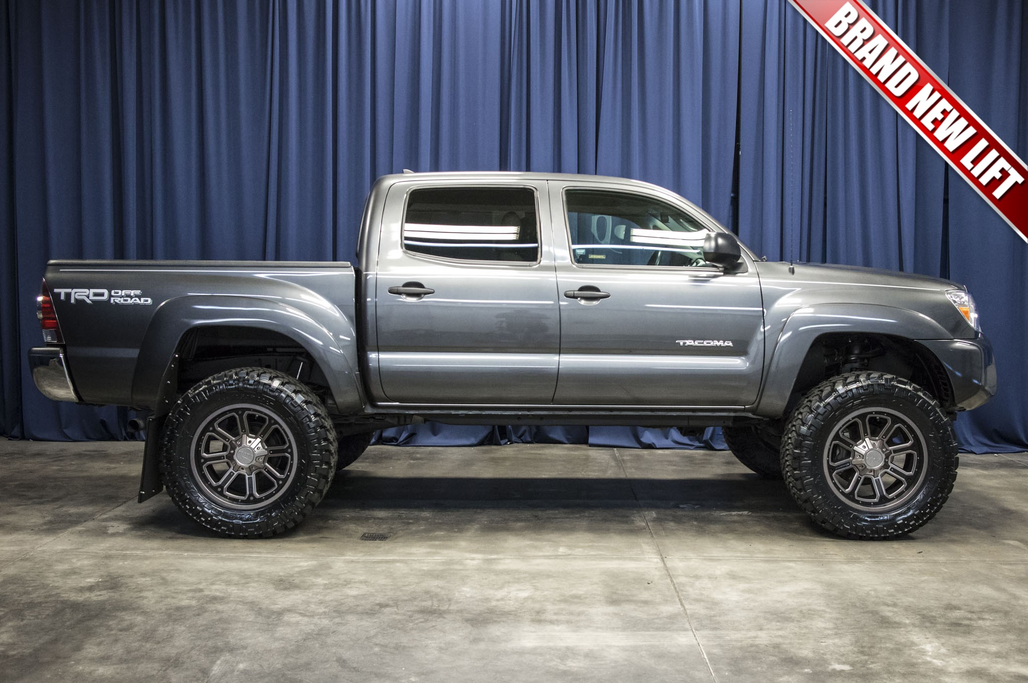 used lifted 2015 toyota tacoma trd off road 4x4 truck for sale 42734. Black Bedroom Furniture Sets. Home Design Ideas