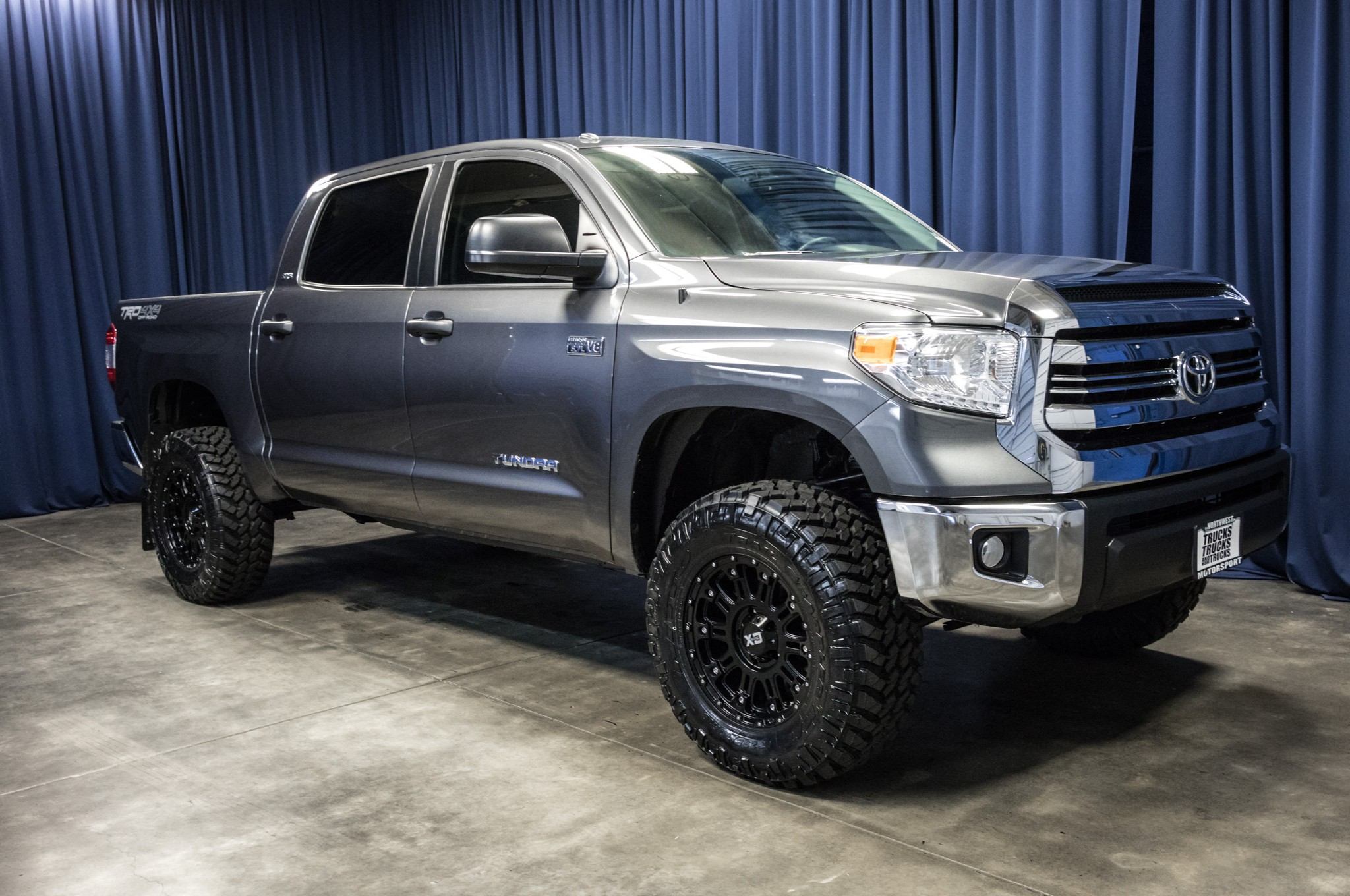 used lifted 2016 toyota tundra sr5 trd 4x4 truck for sale. Black Bedroom Furniture Sets. Home Design Ideas