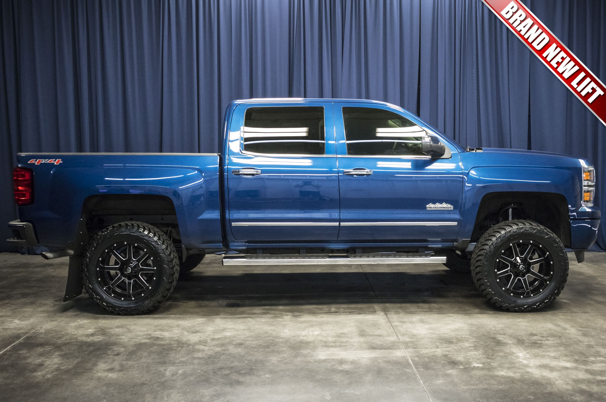 silv new country content gm may silverado adds rugged with news luxury high silveradohighctry en media chevrolet us pages detail