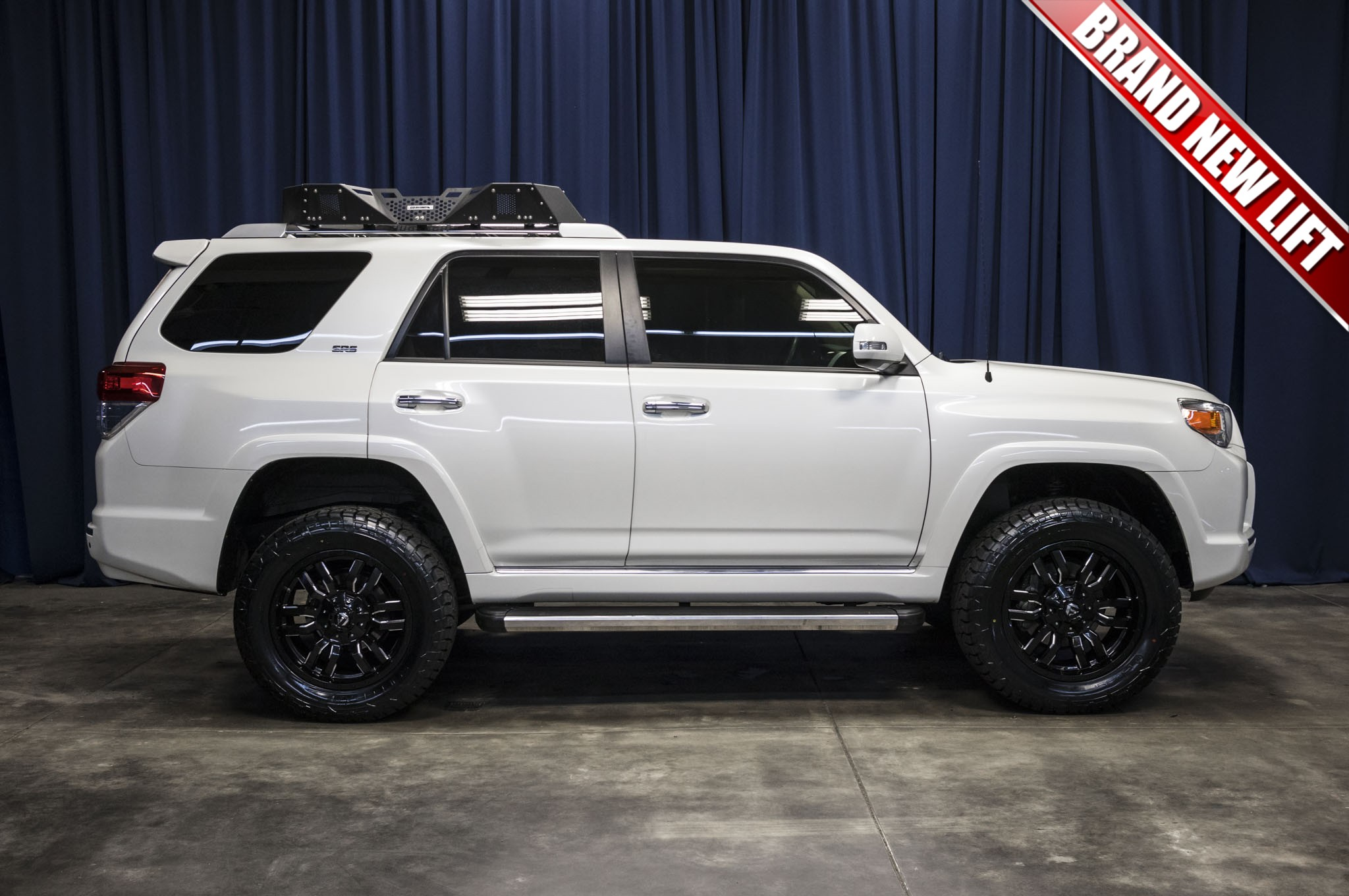 used lifted 2013 toyota 4runner sr5 4x4 suv for sale 43482. Black Bedroom Furniture Sets. Home Design Ideas
