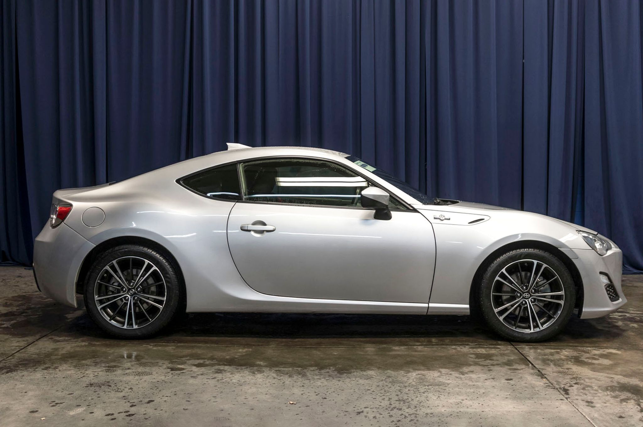used 2013 scion fr s rwd coupe for sale 44314b. Black Bedroom Furniture Sets. Home Design Ideas
