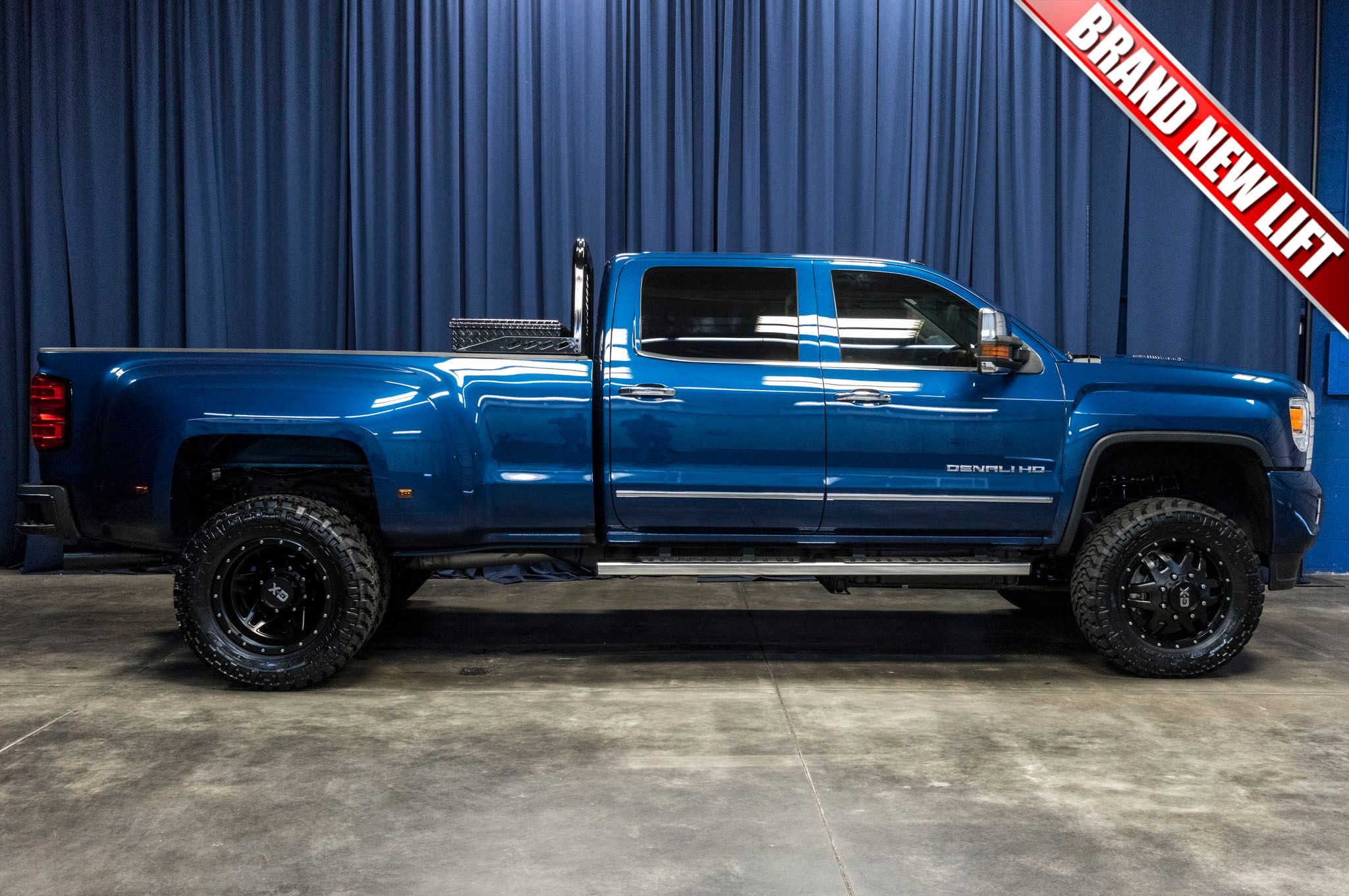 used lifted 2016 gmc sierra 3500 hd denali dually 4x4 diesel truck for sale 44459. Black Bedroom Furniture Sets. Home Design Ideas