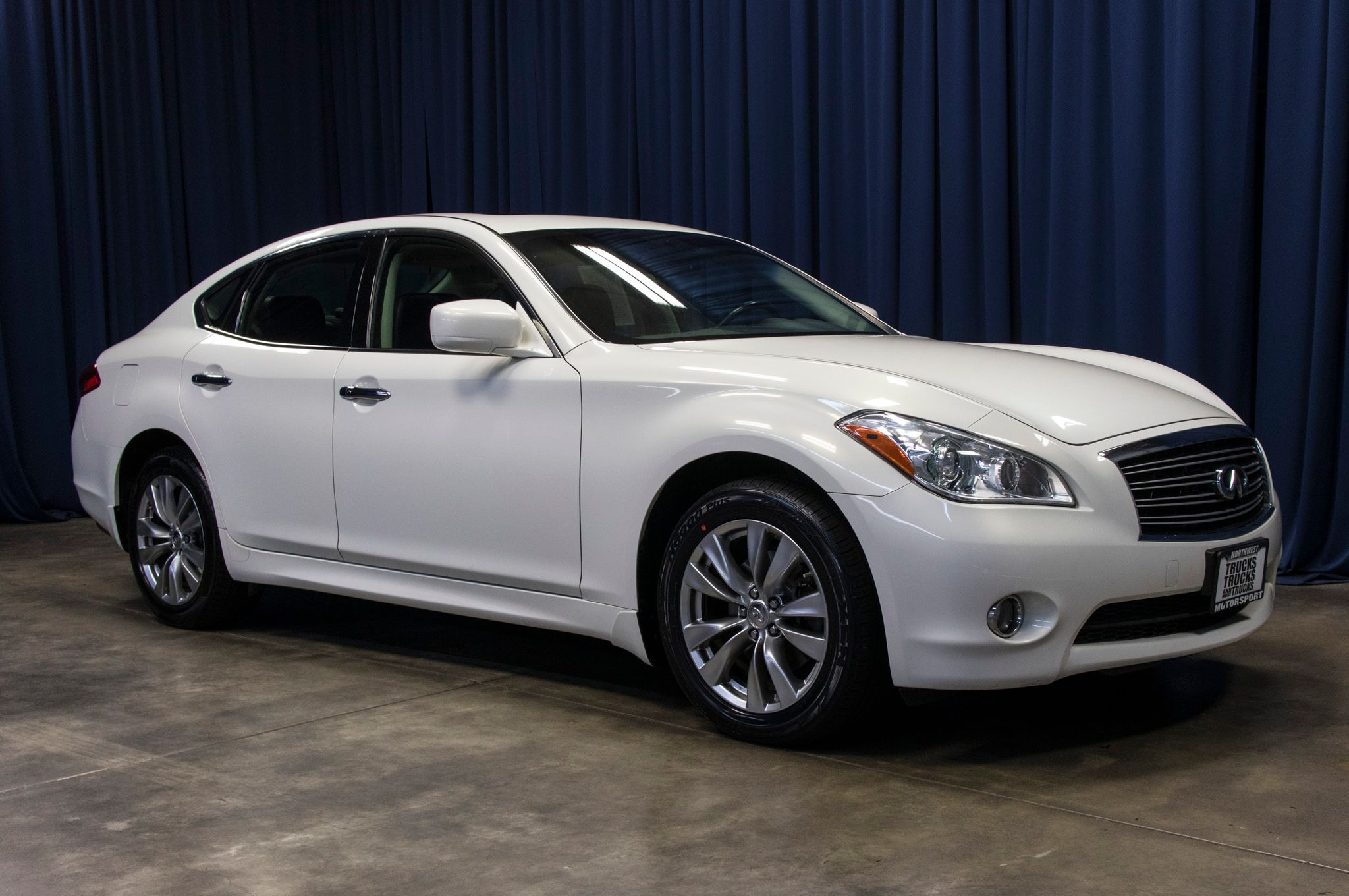 large mn infiniti in victoria sale sdn awd for infinity extra