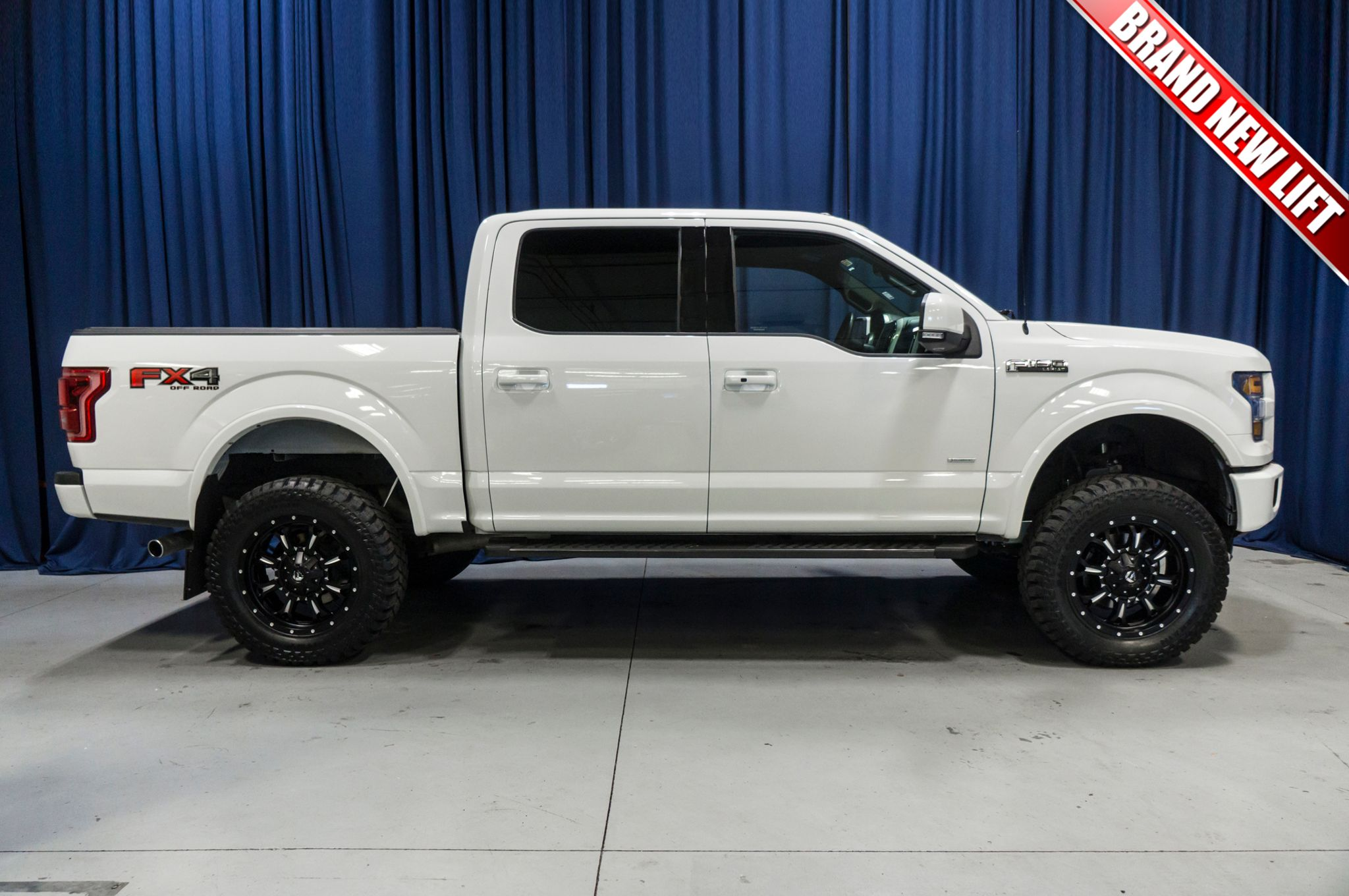 used lifted 2015 ford f 150 lariat fx4 4x4 truck for sale 44617. Black Bedroom Furniture Sets. Home Design Ideas