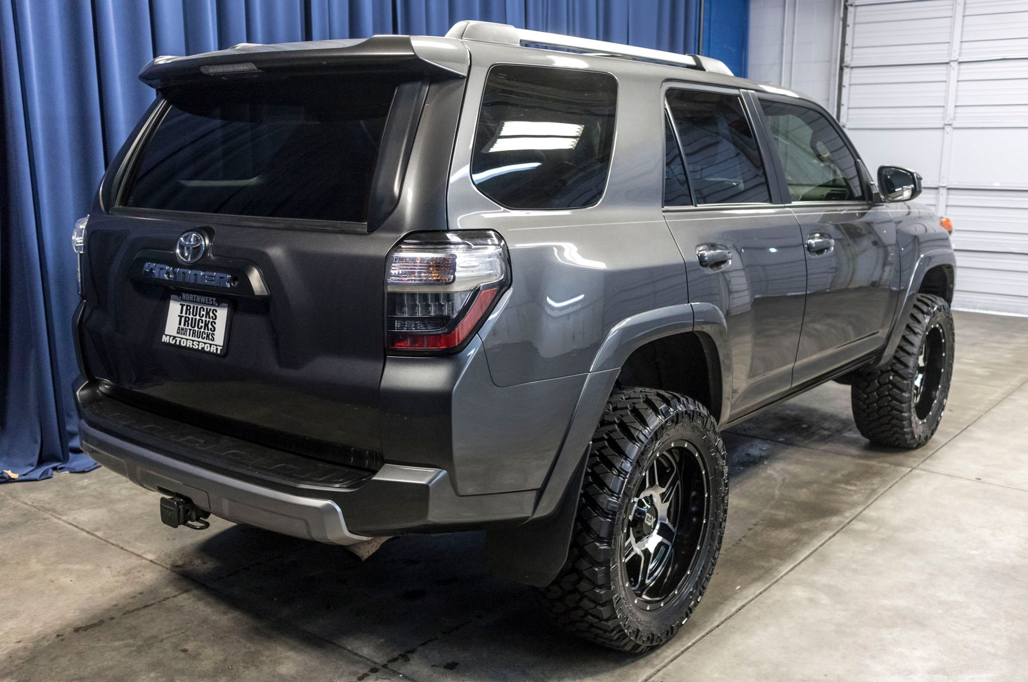 used lifted 2014 toyota 4runner trail 4x4 suv for sale 44645b. Black Bedroom Furniture Sets. Home Design Ideas
