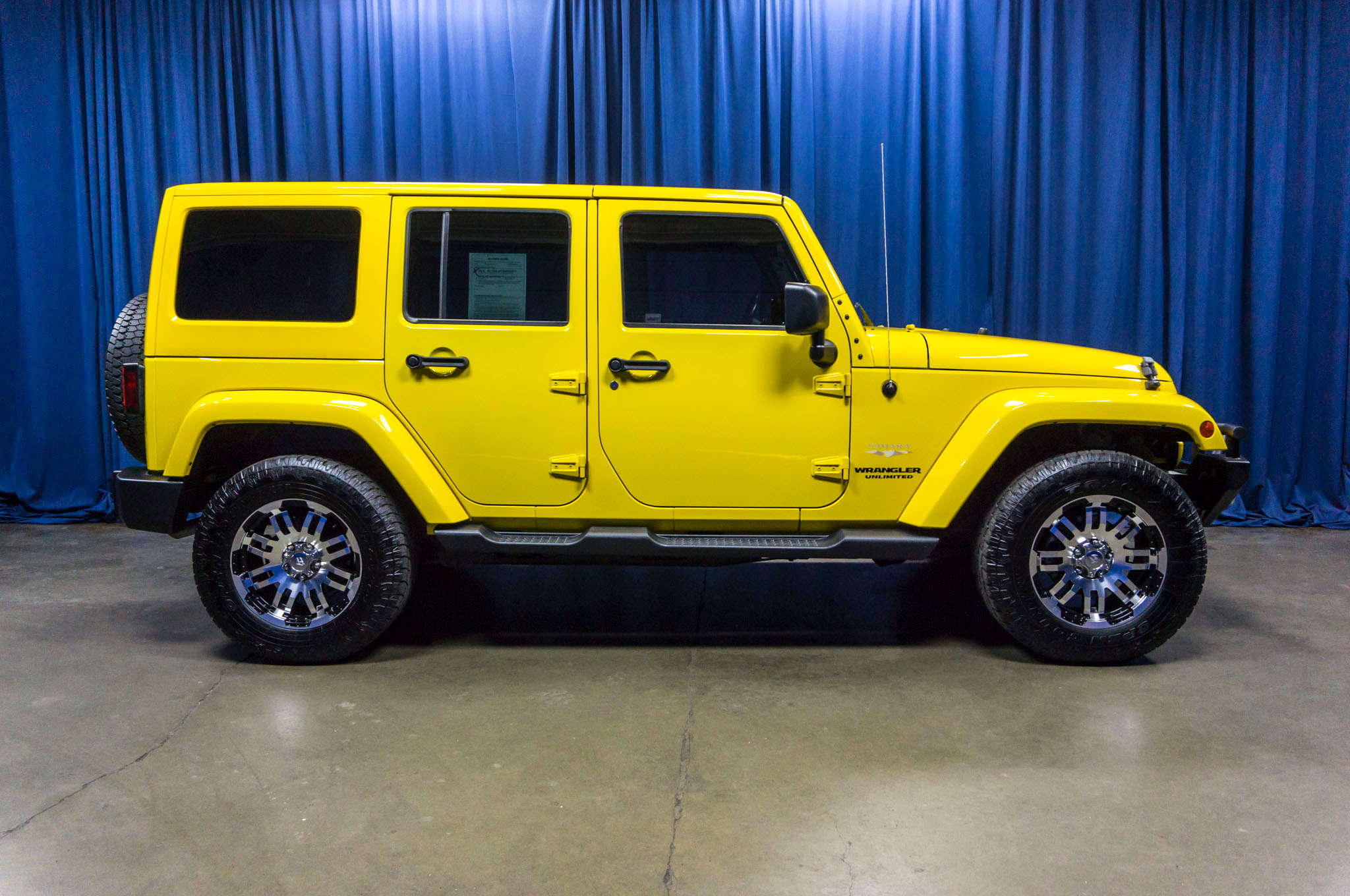 used 2011 jeep wrangler unlimited sahara 4x4 suv for sale 44744. Black Bedroom Furniture Sets. Home Design Ideas
