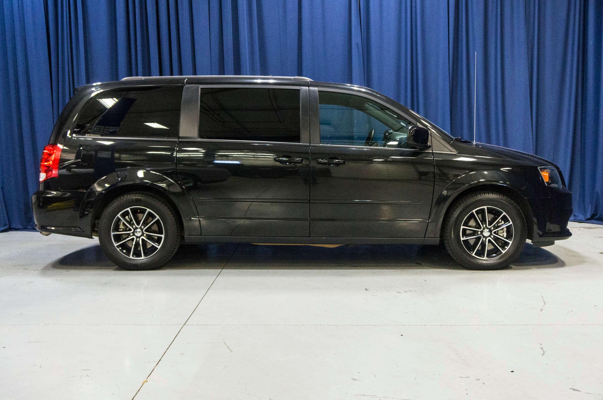 dodge certified inventory used owned fwd van caravan plus grand pre passenger se mini