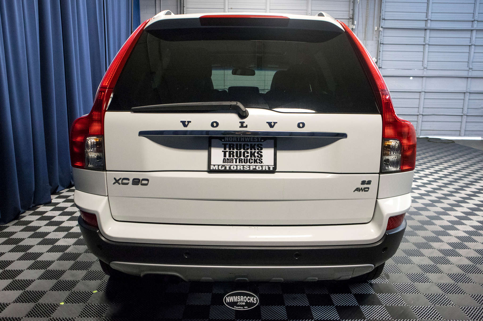 cars in buy sale search volvo ud large for car singapore used