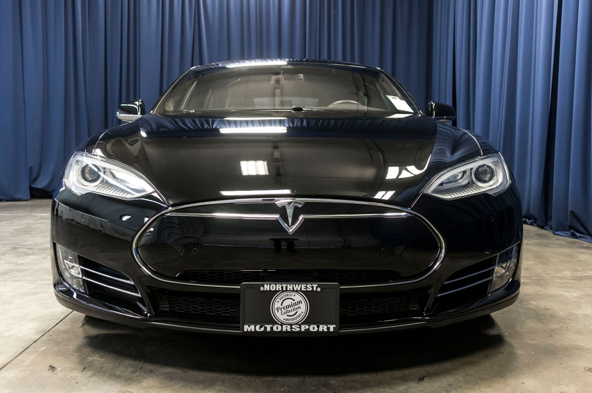 used 2014 tesla model s p85d awd sedan for sale 45893. Black Bedroom Furniture Sets. Home Design Ideas