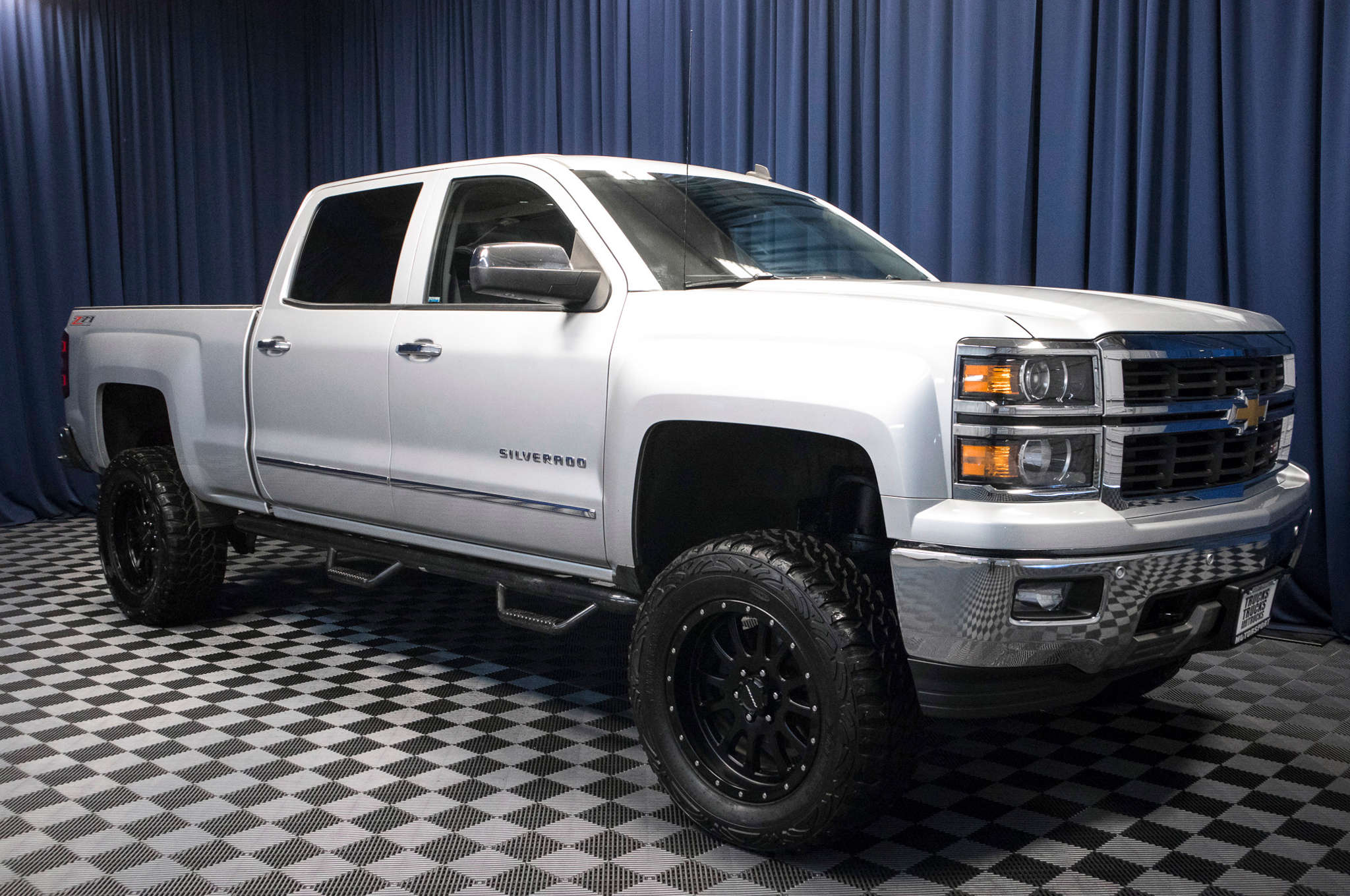 used lifted 2014 chevrolet silverado 1500 ltz z71 4x4 truck for sale 47399. Black Bedroom Furniture Sets. Home Design Ideas