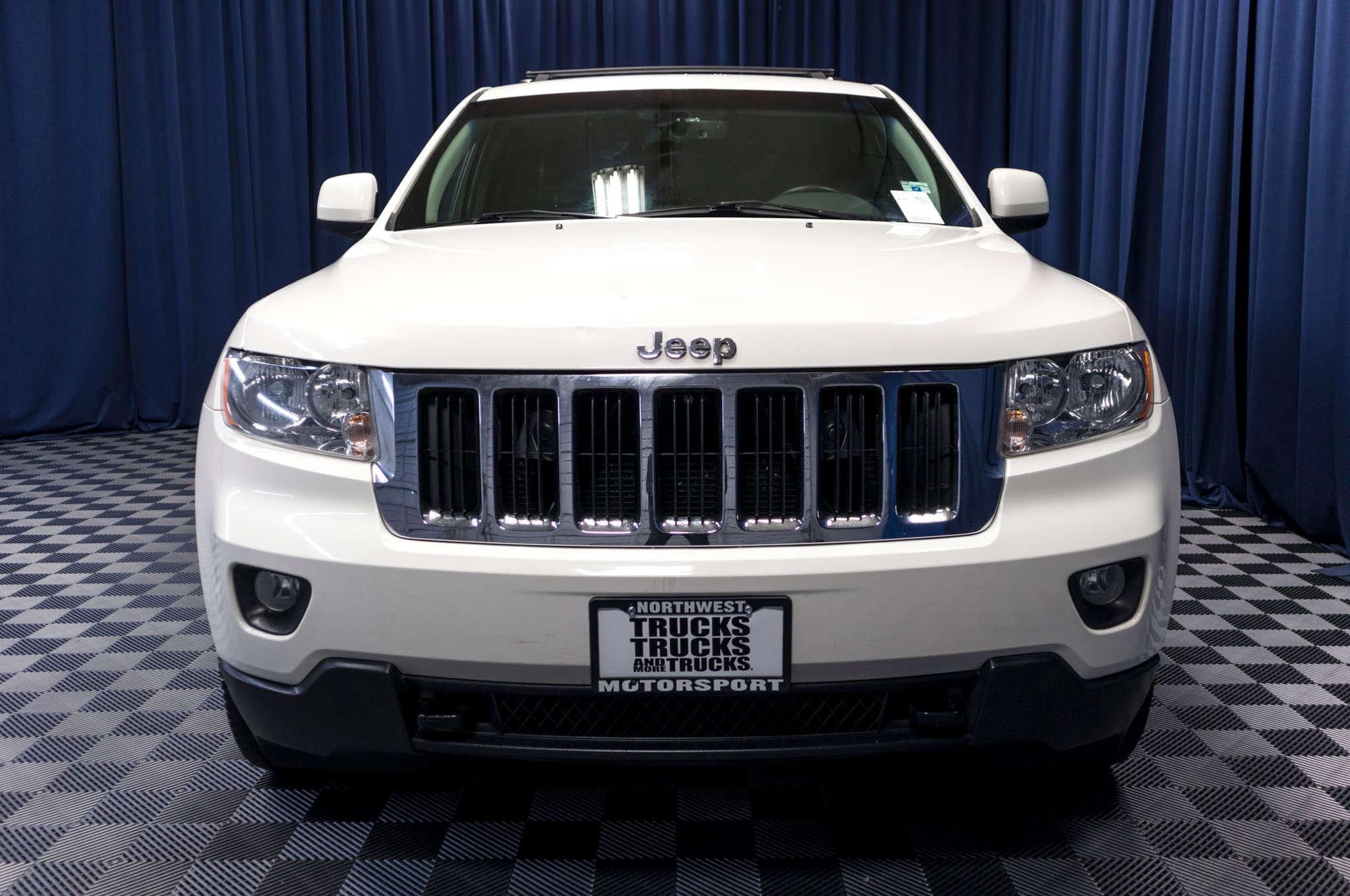 Used 2011 Jeep Grand Cherokee Laredo 4x4 SUV For Sale