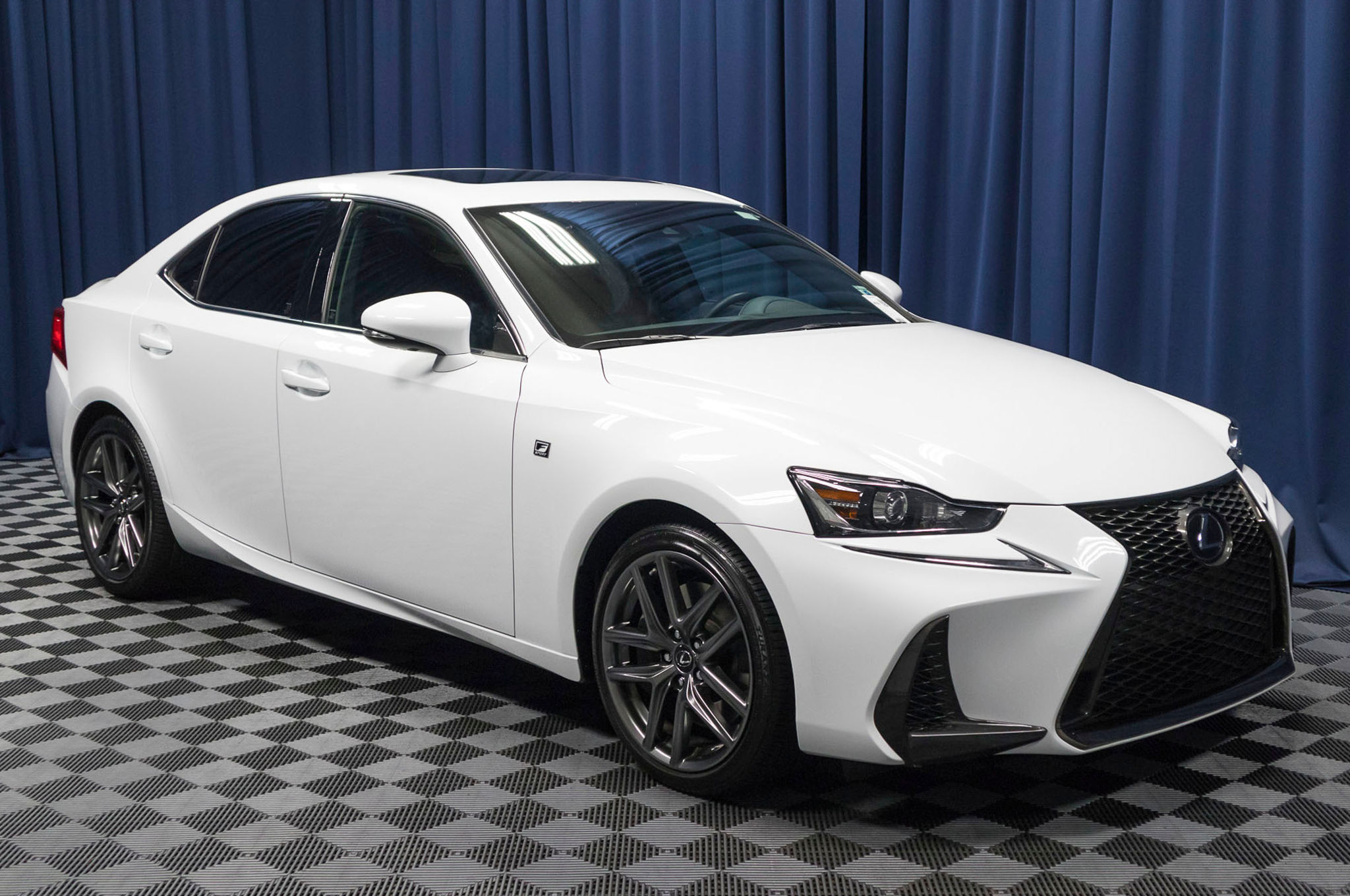 sale is co lexus cars used year motors uk for