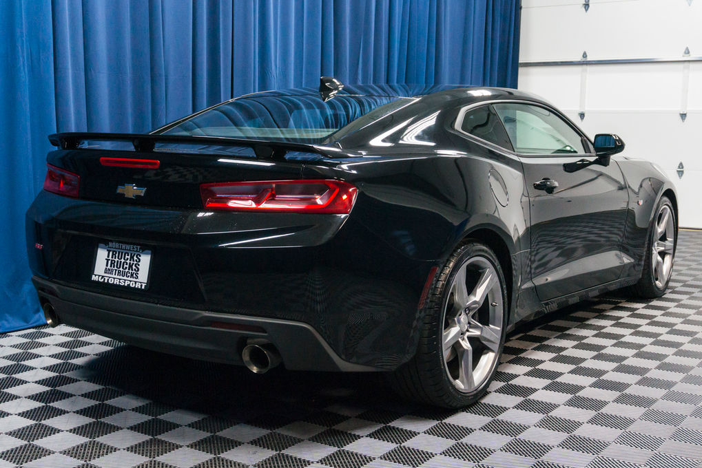 used 2017 chevrolet camaro ss rwd coupe for sale 48967. Black Bedroom Furniture Sets. Home Design Ideas