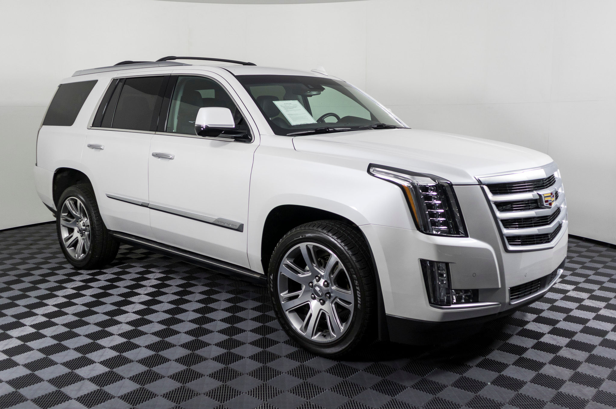 test expert drive escalade buy cadillac suv car review for sale new