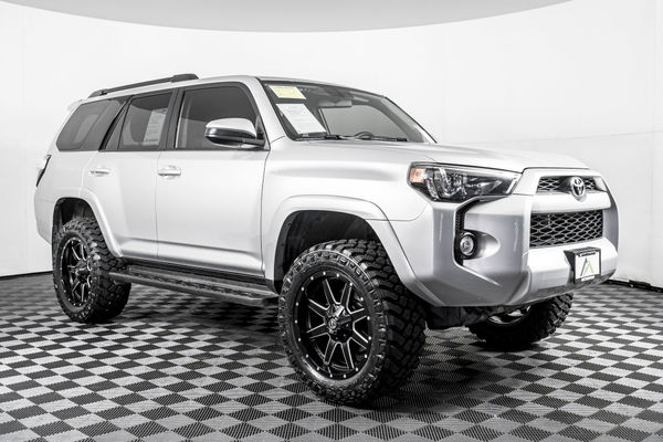 Toyota 4Runner Lifted >> Used Lifted 2018 Toyota 4runner Sr5 4x4 Suv For Sale
